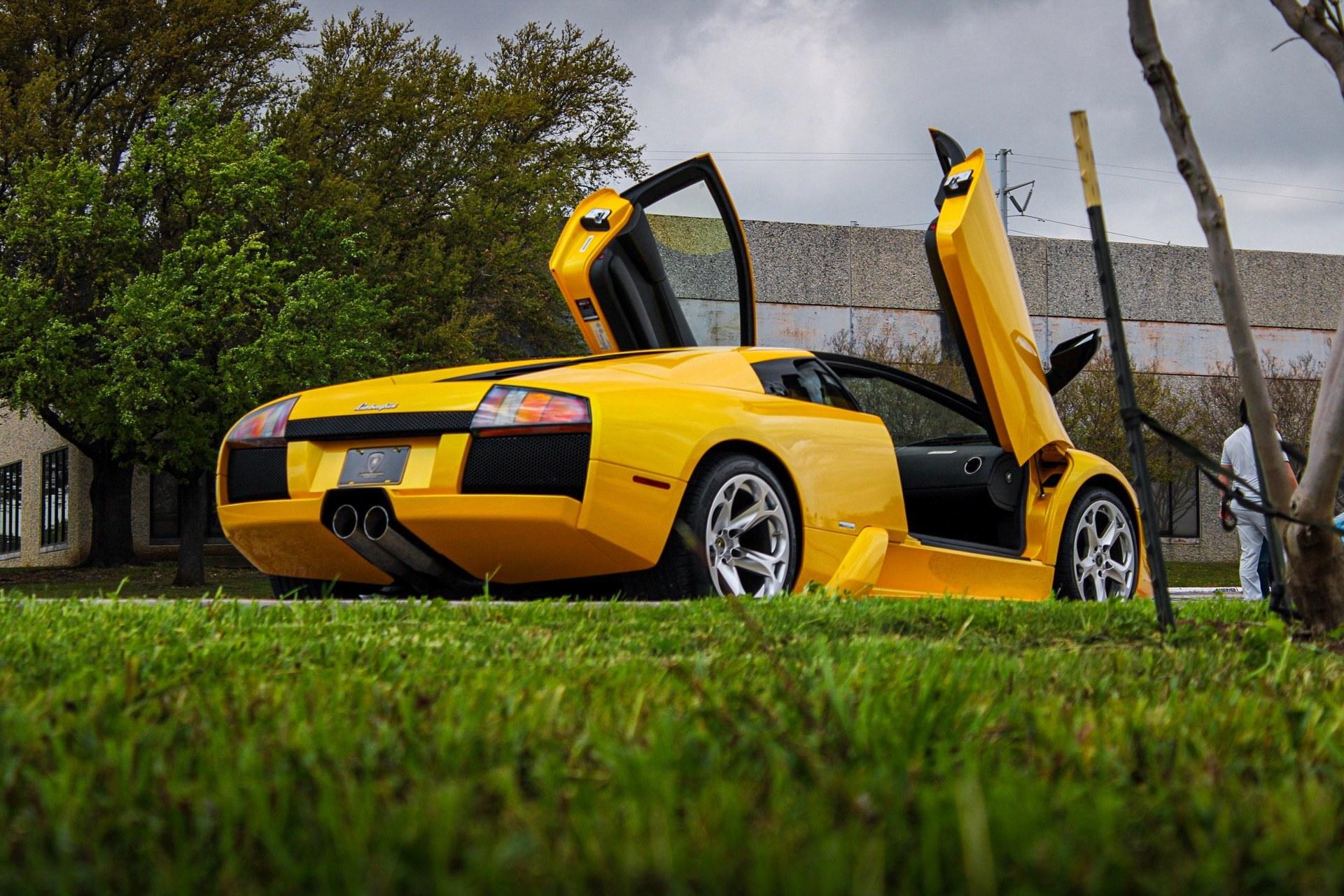 2003_Lamborghini_Murcielago_manual_0004