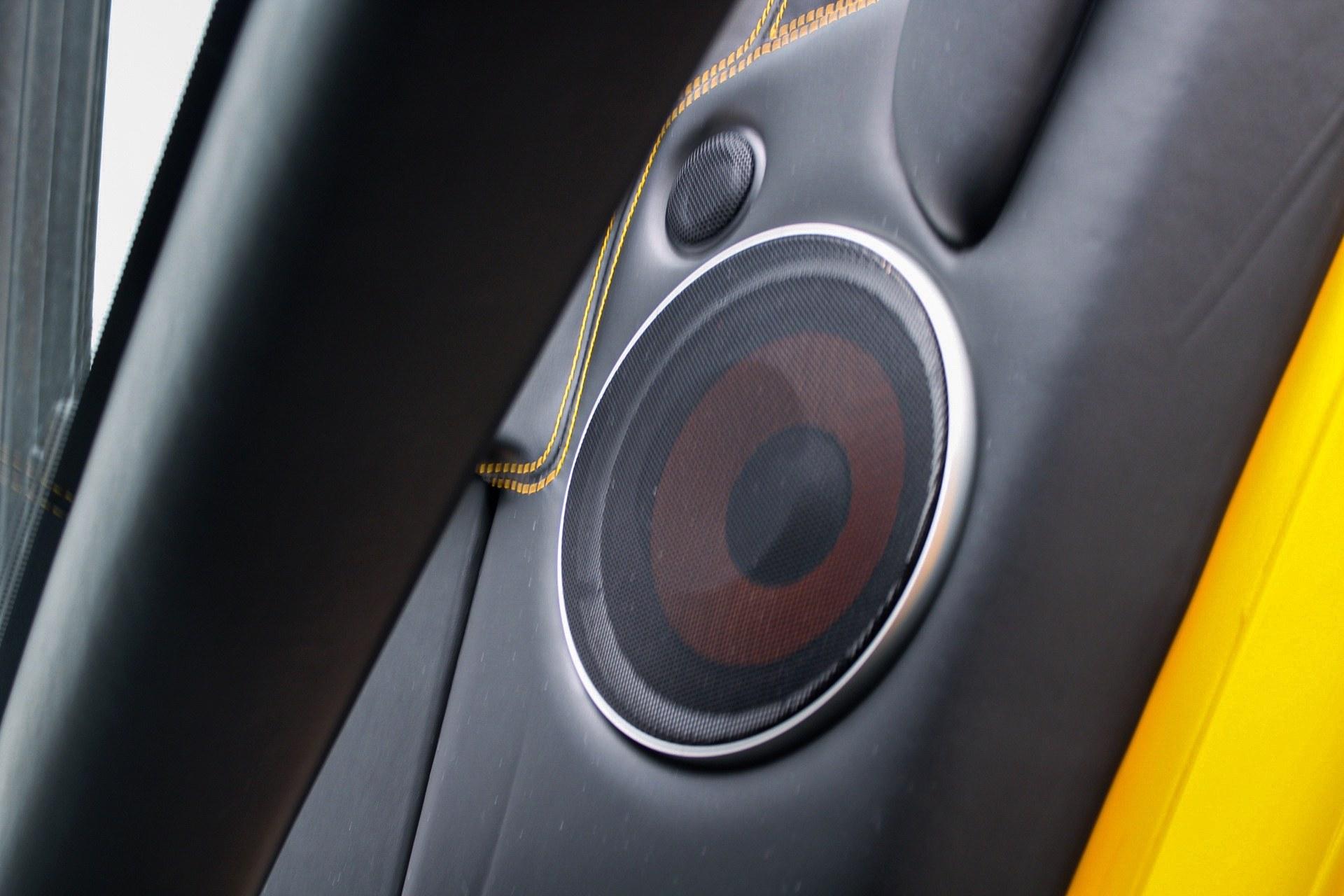 2003_Lamborghini_Murcielago_manual_0010