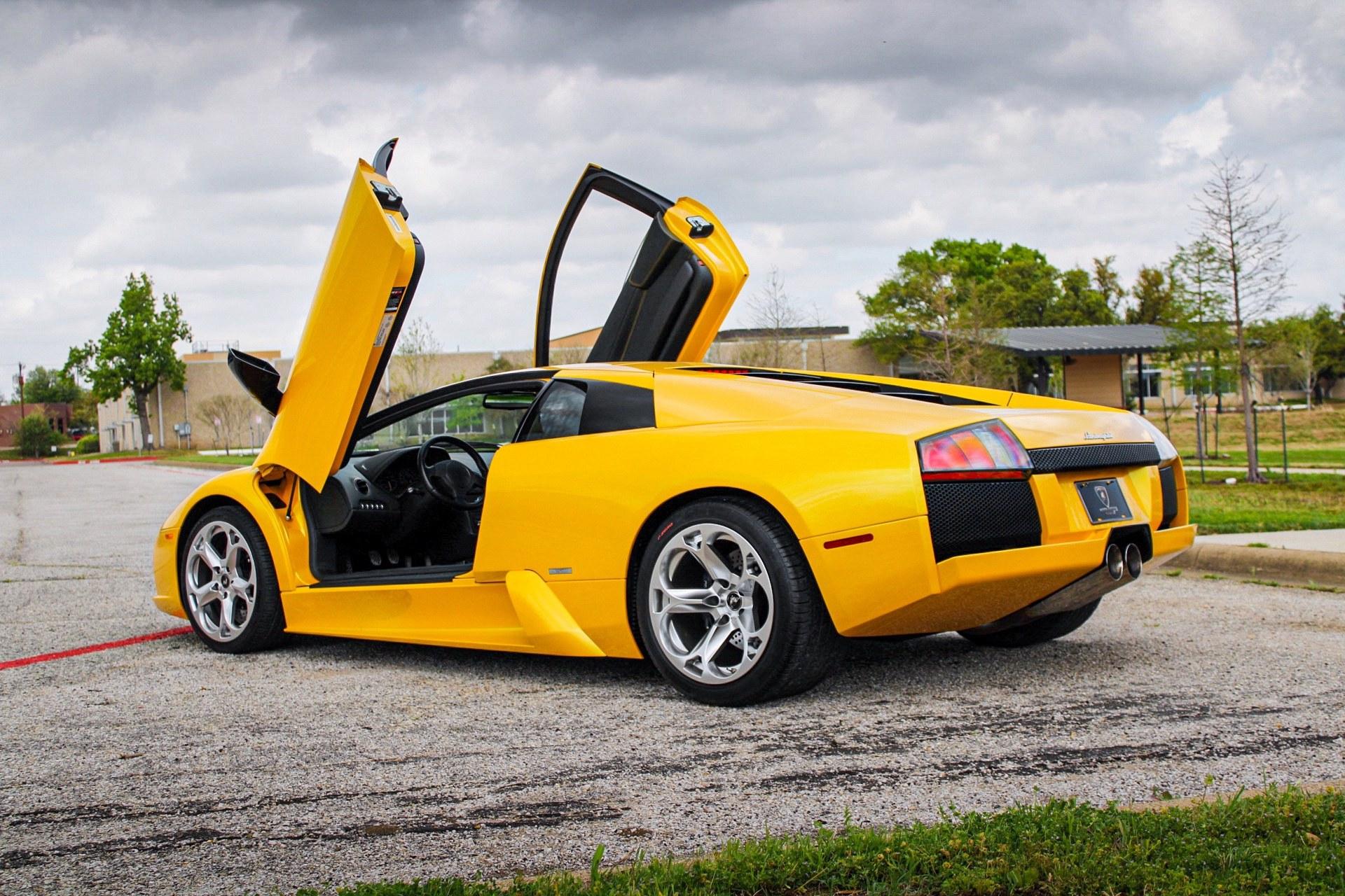2003_Lamborghini_Murcielago_manual_0016