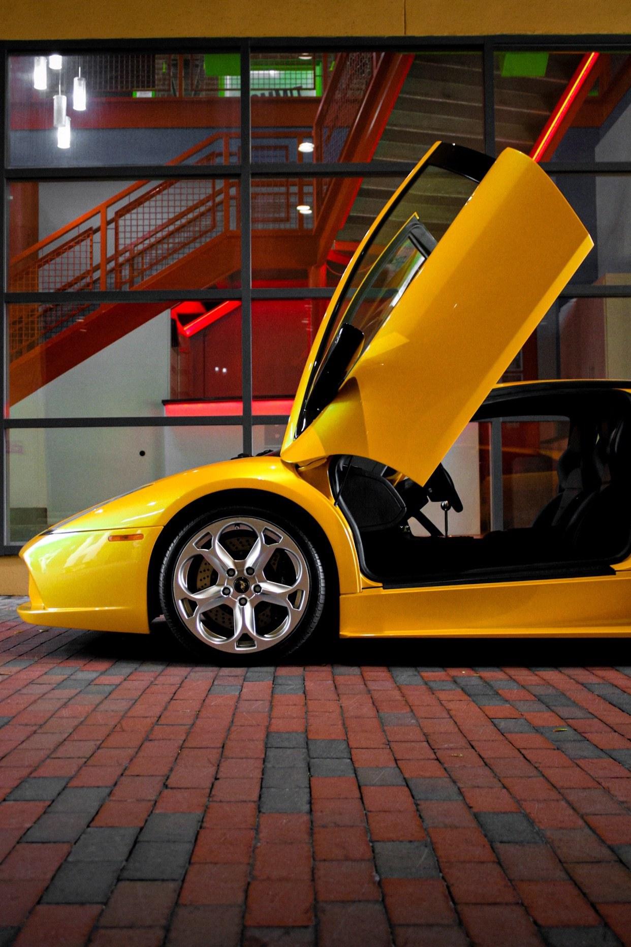 2003_Lamborghini_Murcielago_manual_0029