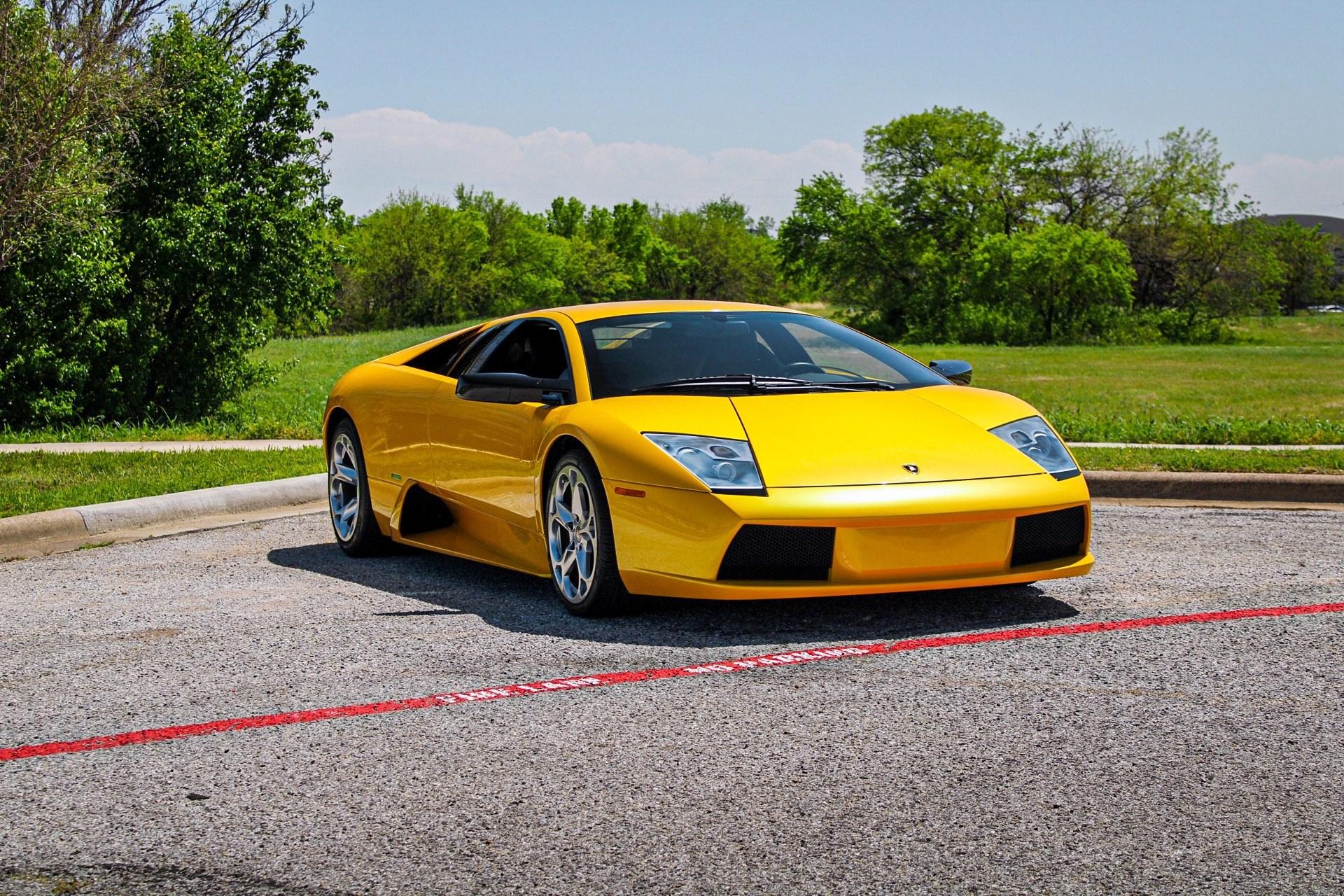 2003_Lamborghini_Murcielago_manual_0044
