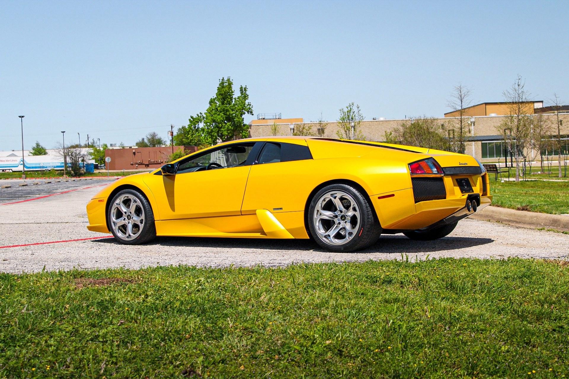 2003_Lamborghini_Murcielago_manual_0046