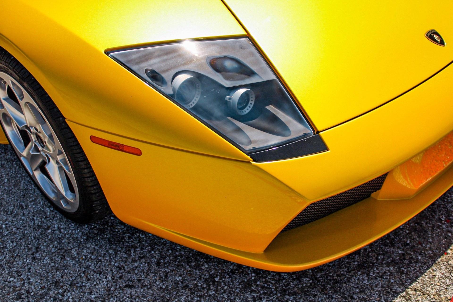 2003_Lamborghini_Murcielago_manual_0047