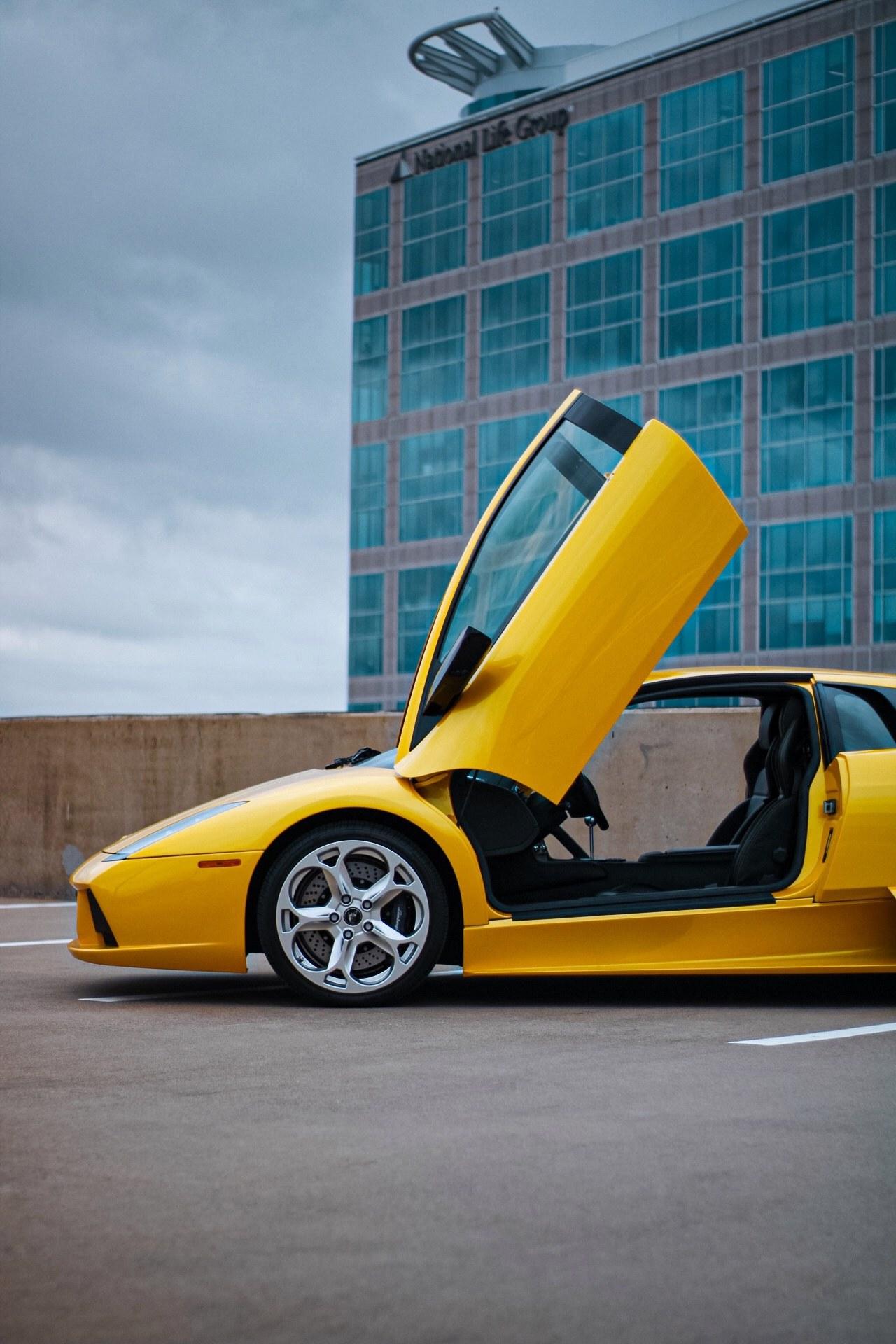 2003_Lamborghini_Murcielago_manual_0050
