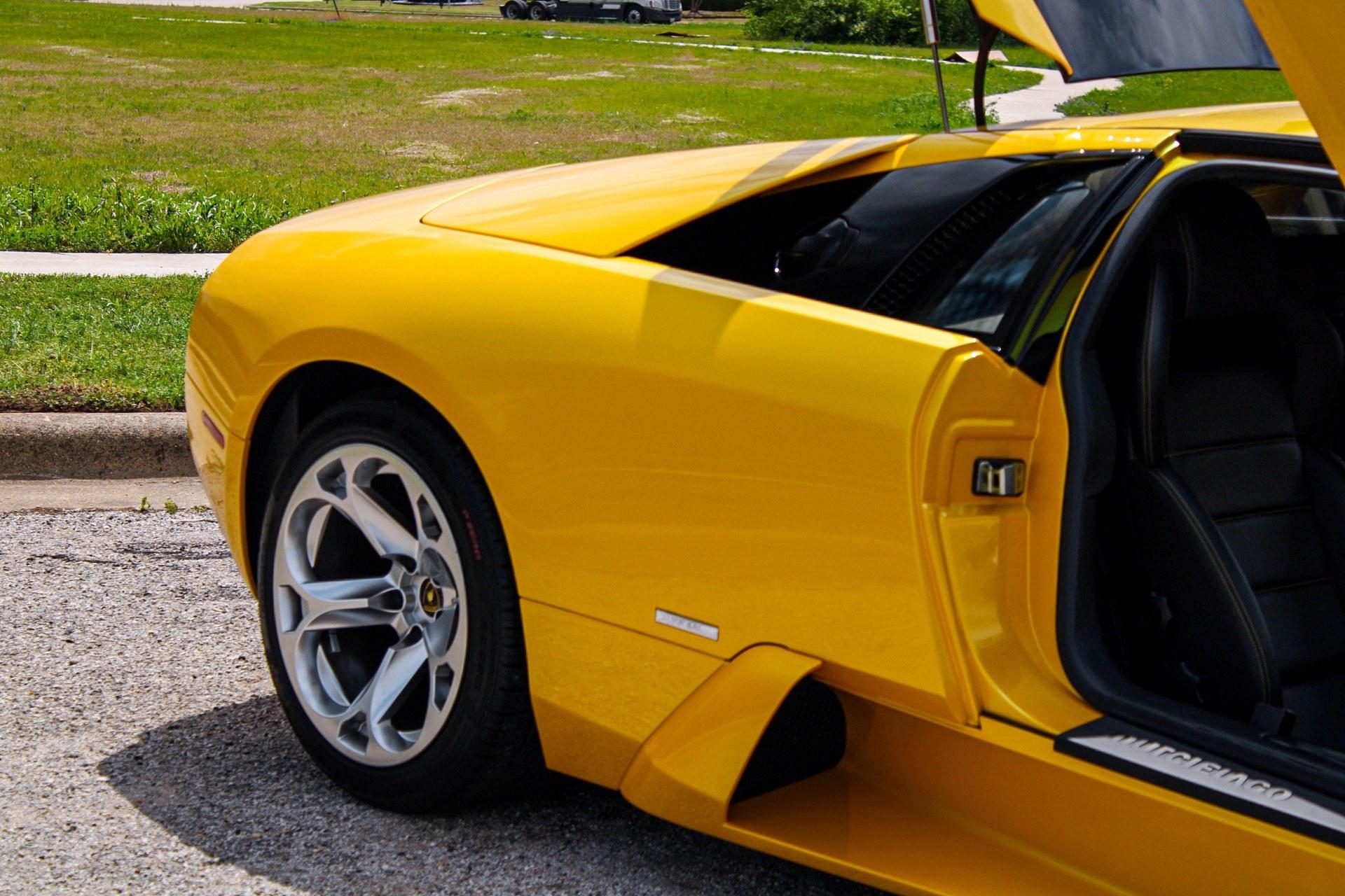 2003_Lamborghini_Murcielago_manual_0059