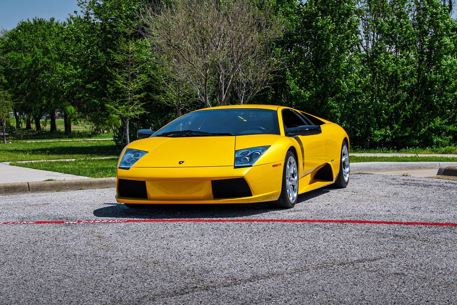2003_Lamborghini_Murcielago_manual_0061
