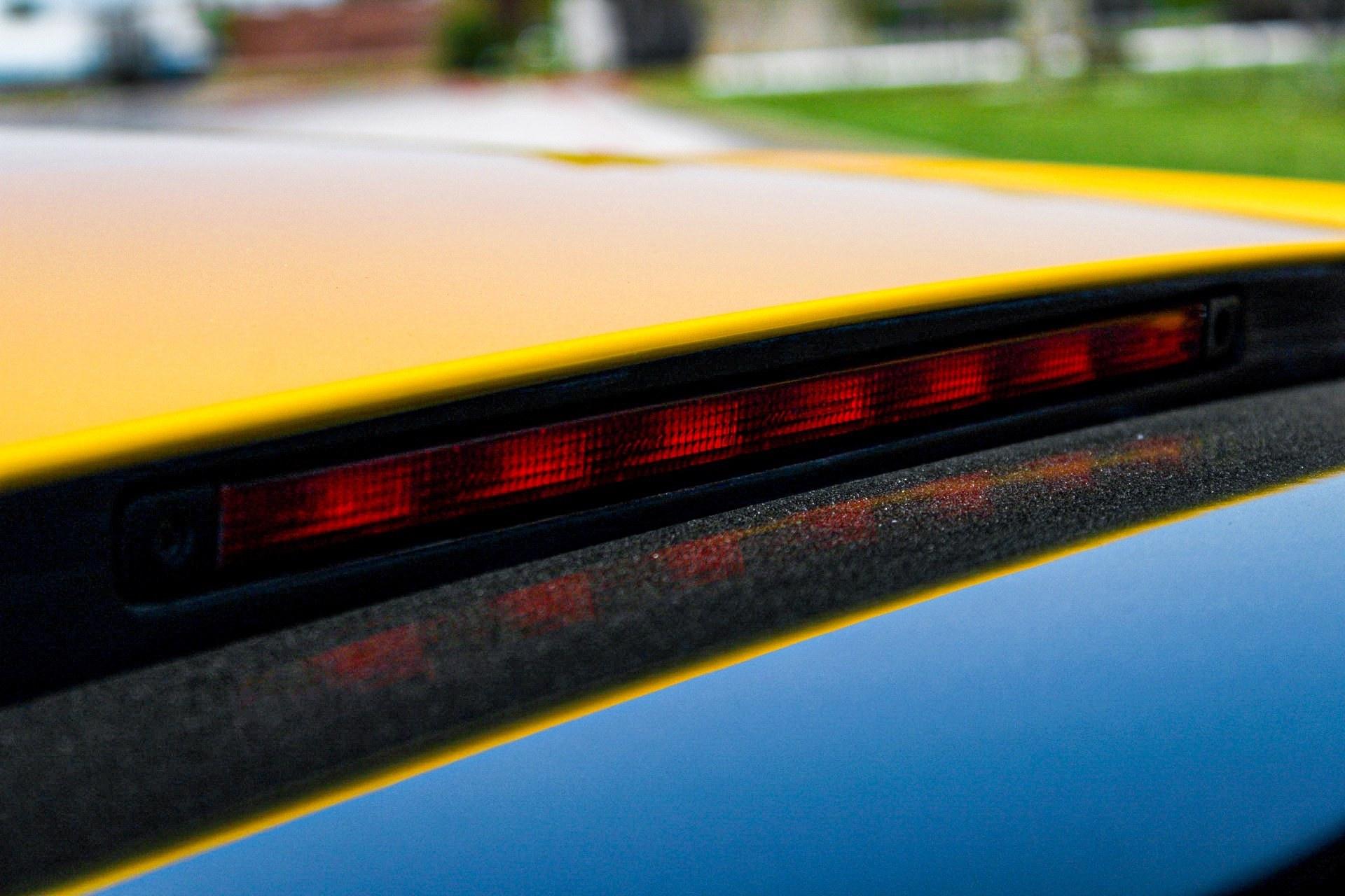 2003_Lamborghini_Murcielago_manual_0062