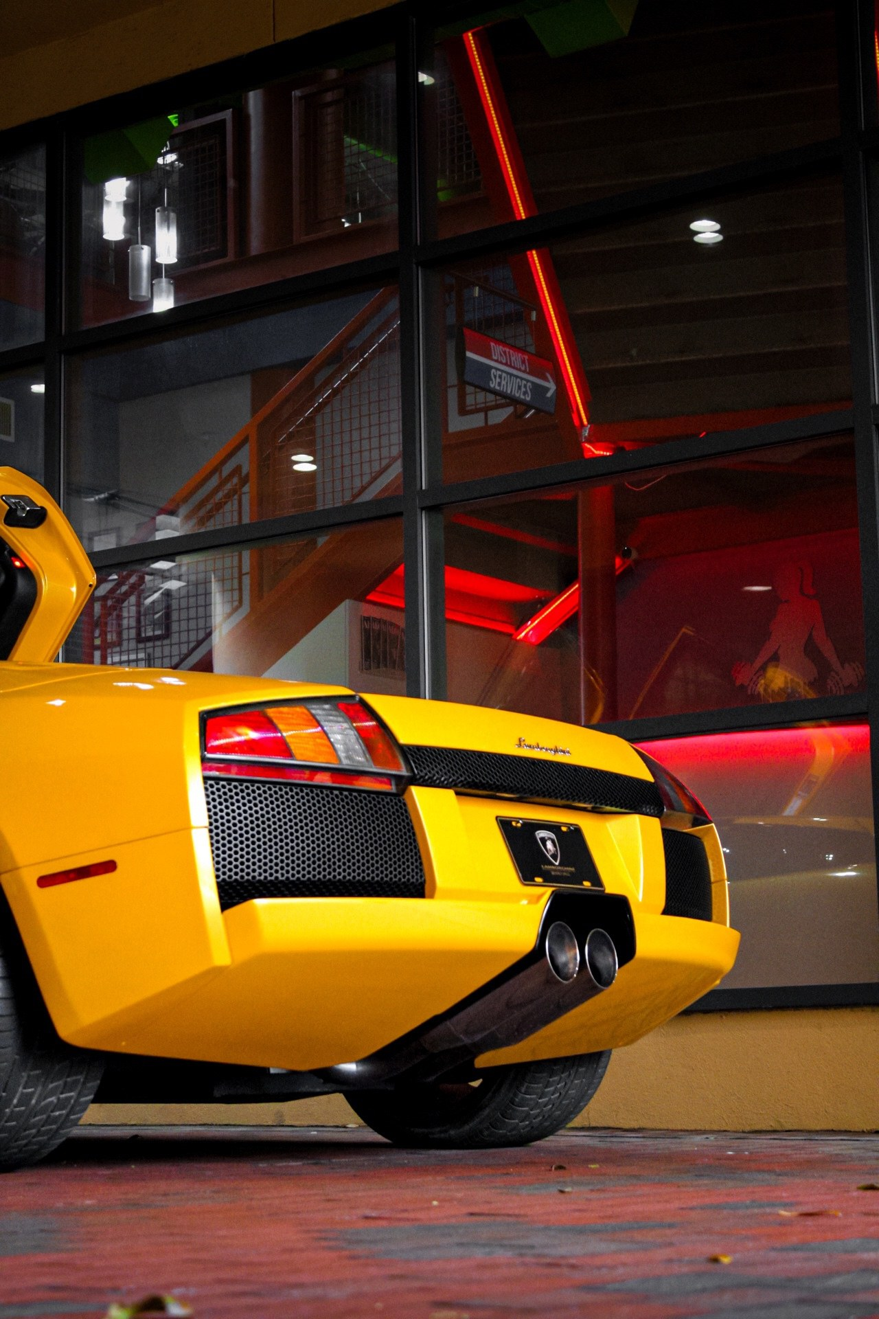 2003_Lamborghini_Murcielago_manual_0065