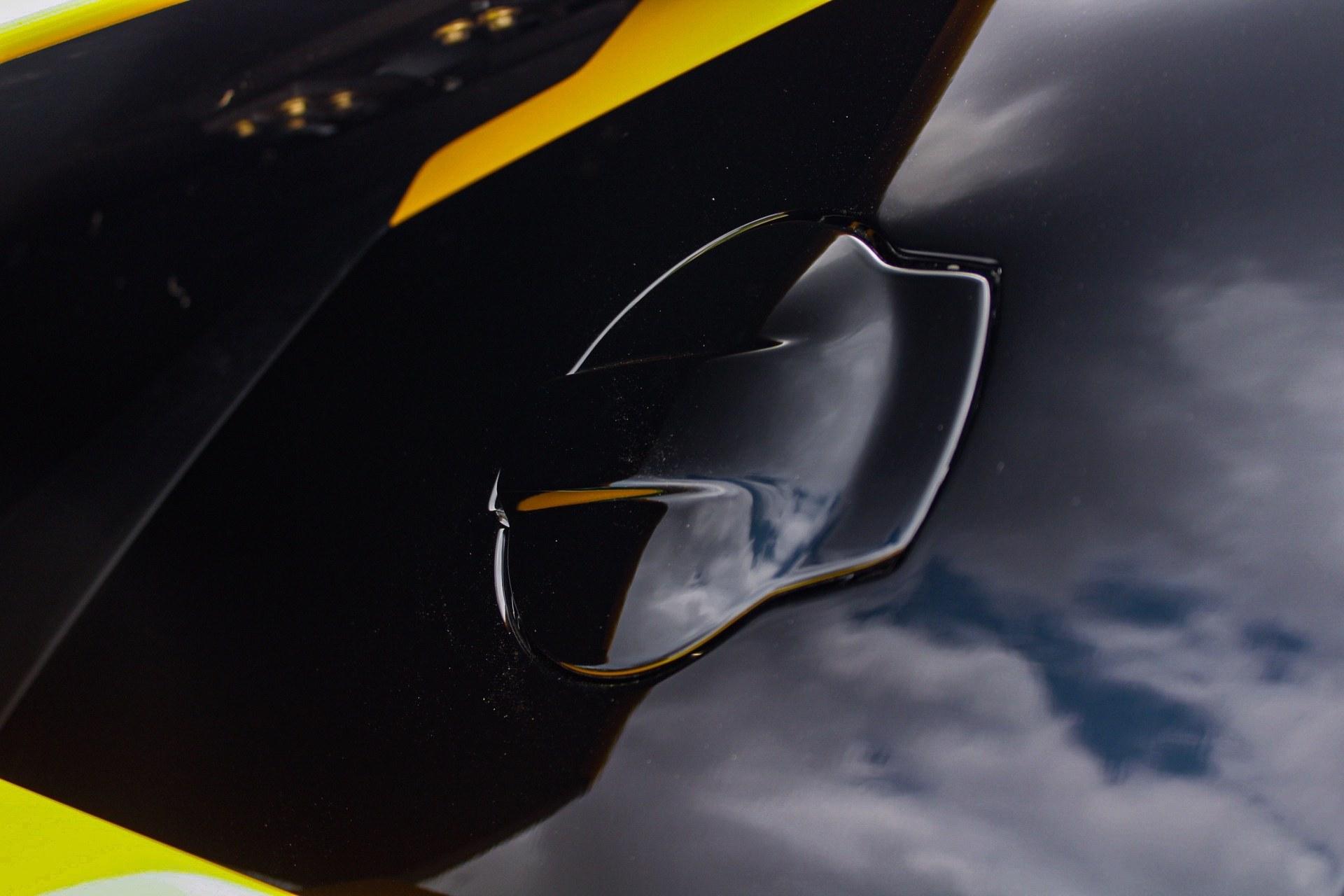 2003_Lamborghini_Murcielago_manual_0067