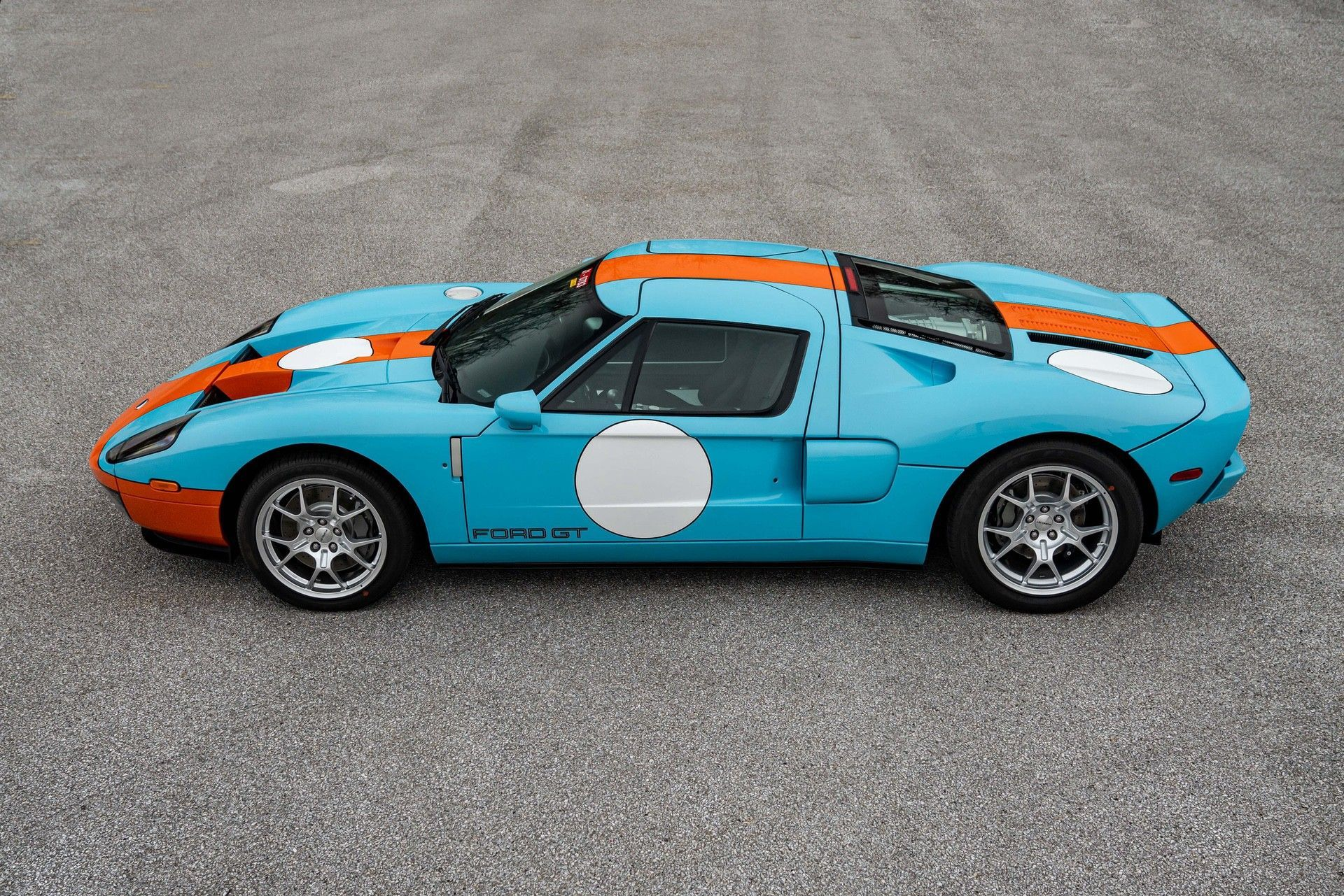 2006_Ford_GT_Heritage_sale-0012