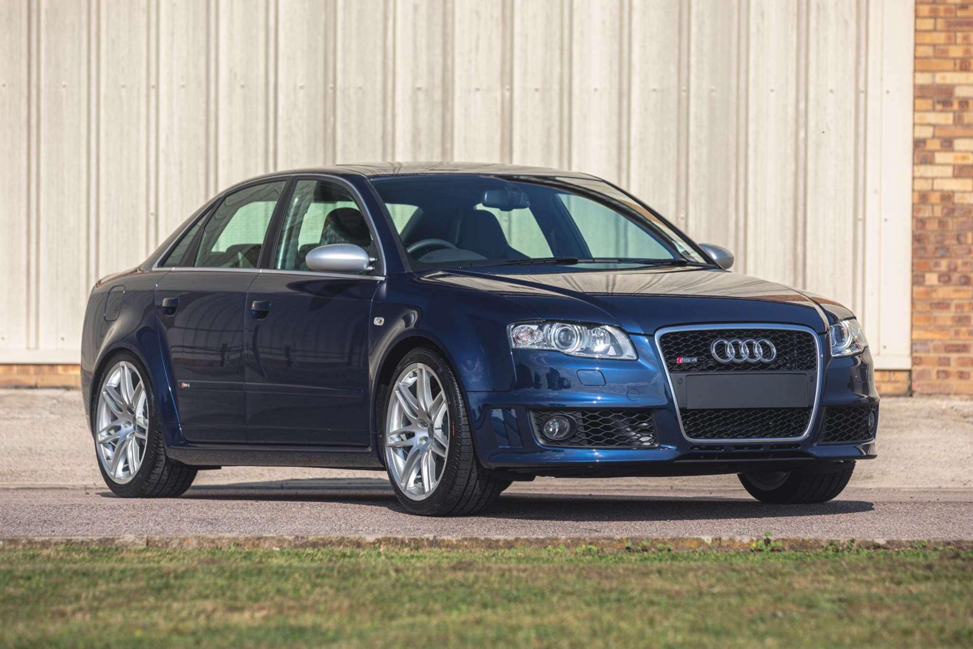 2007_Audi_RS4_B7_sale-0000