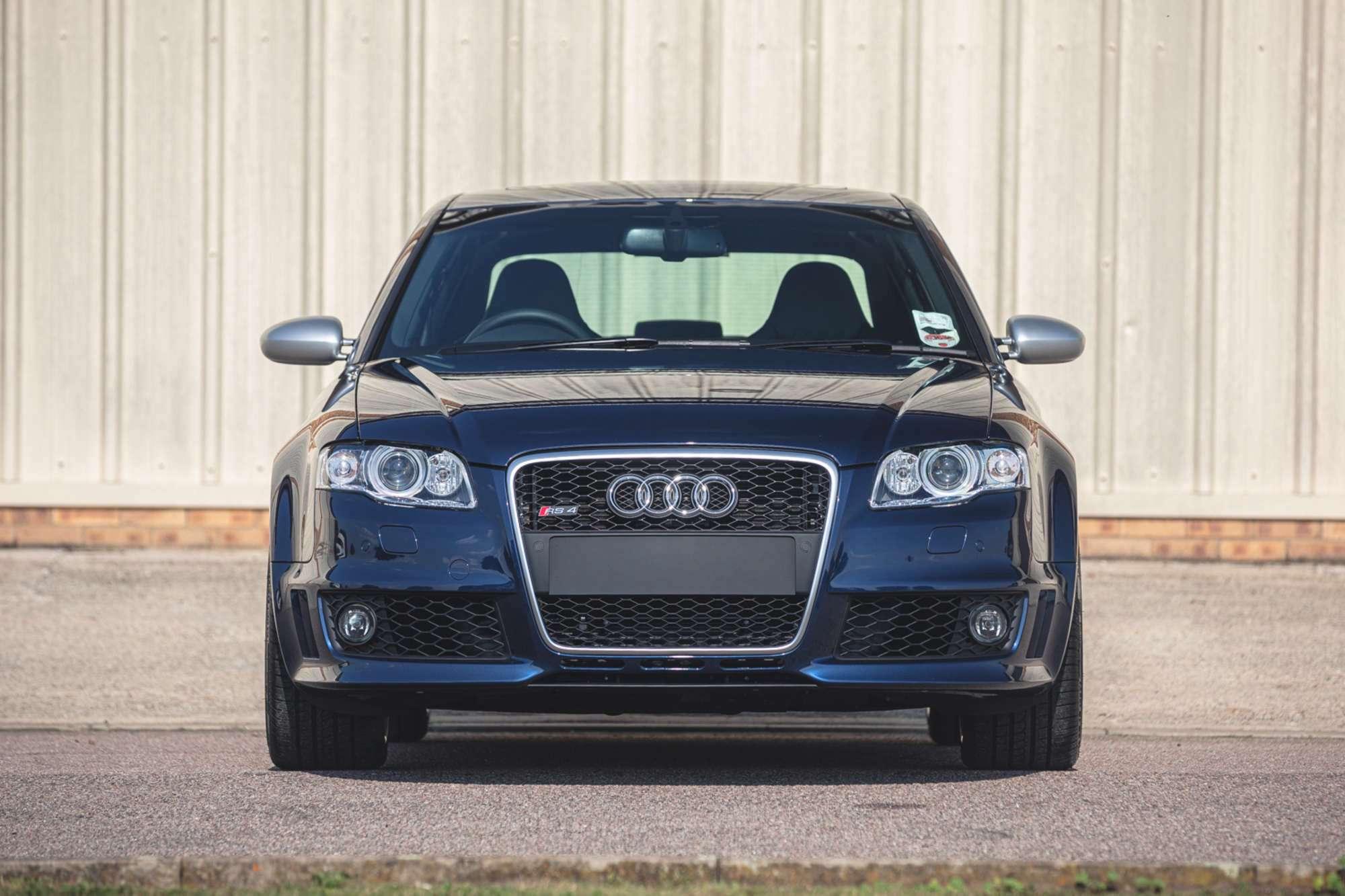 2007_Audi_RS4_B7_sale-0001
