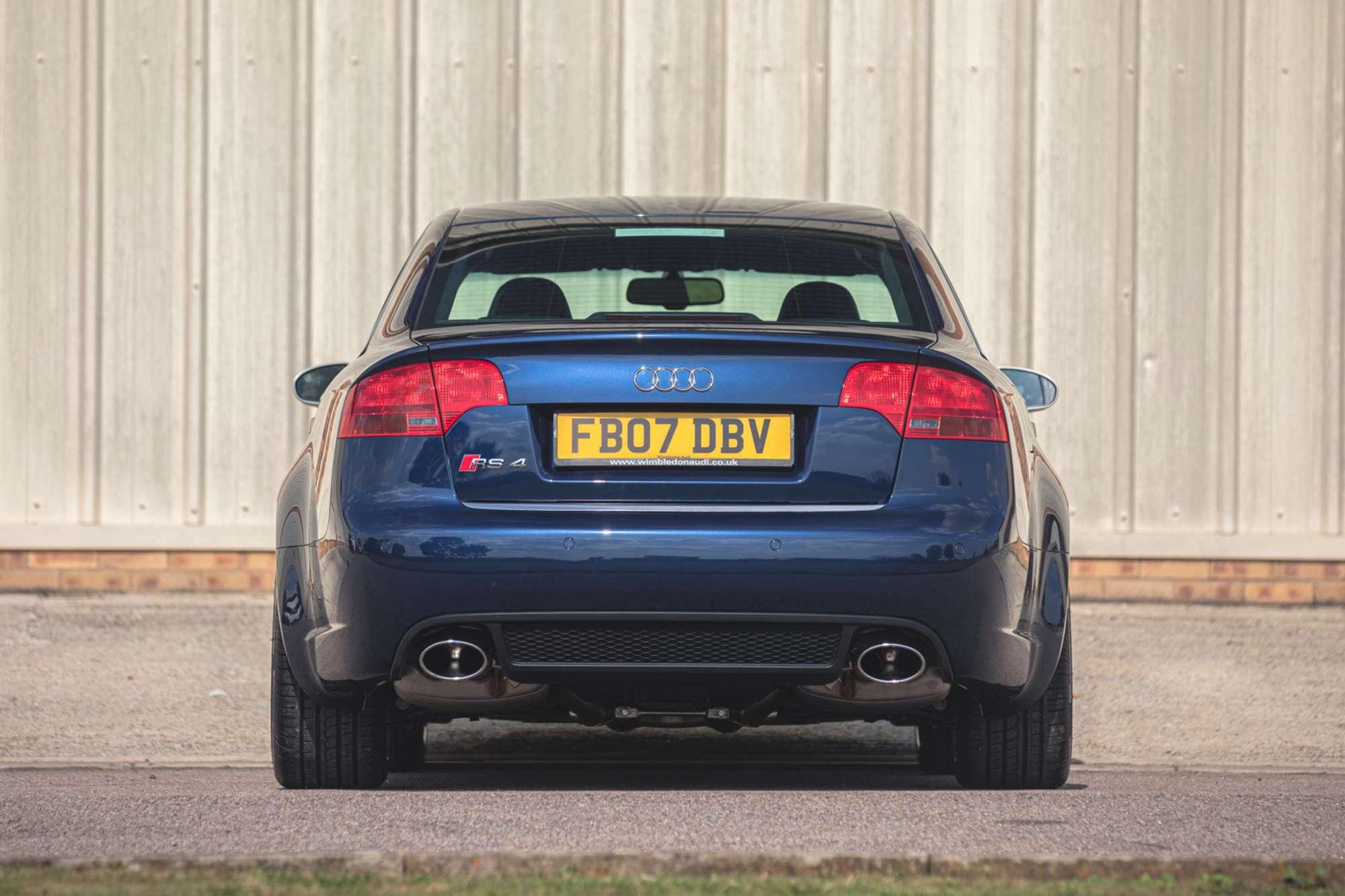 2007_Audi_RS4_B7_sale-0003