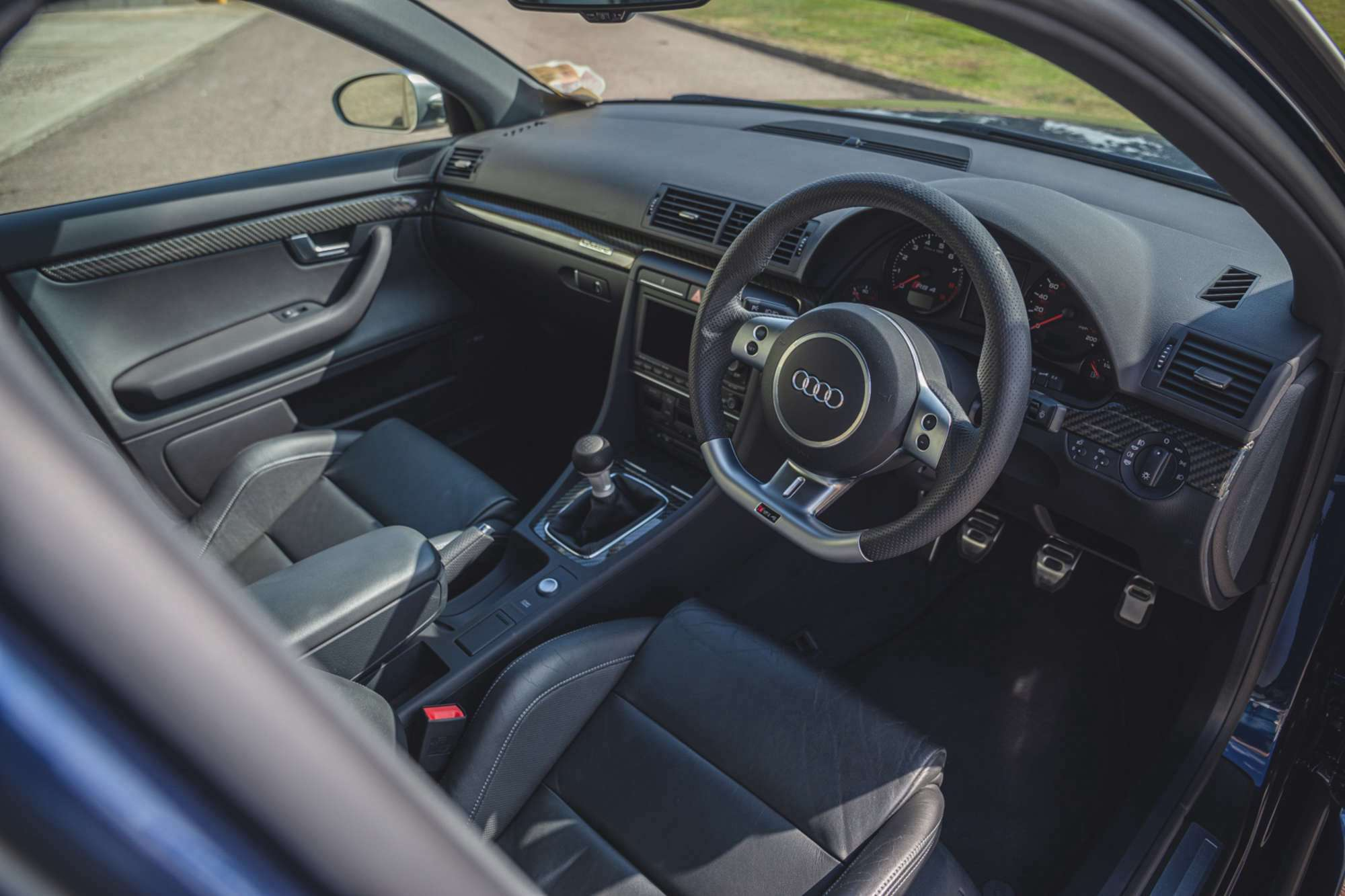 2007_Audi_RS4_B7_sale-0005