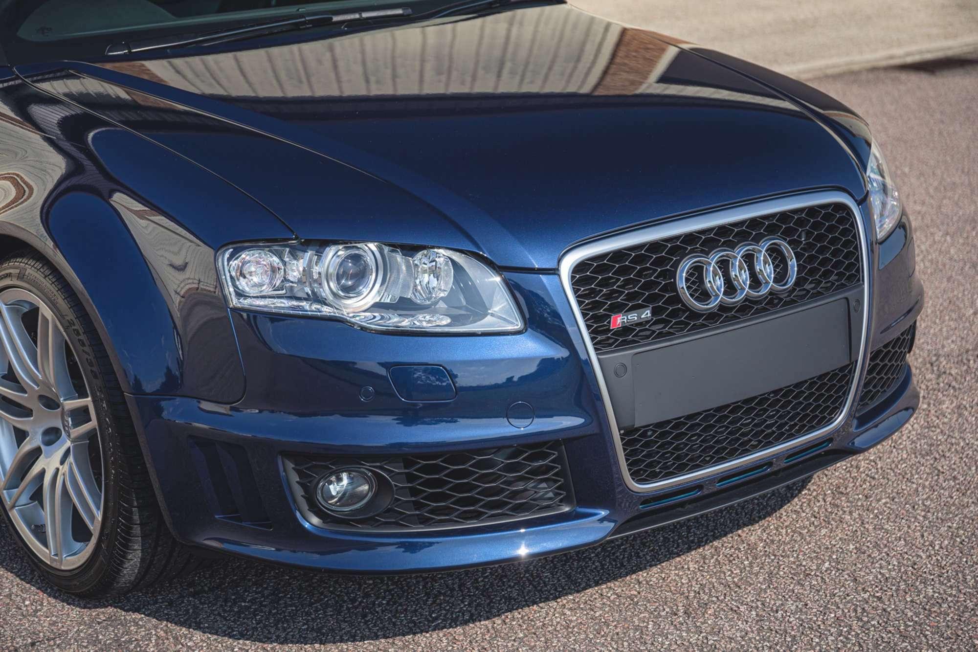 2007_Audi_RS4_B7_sale-0006
