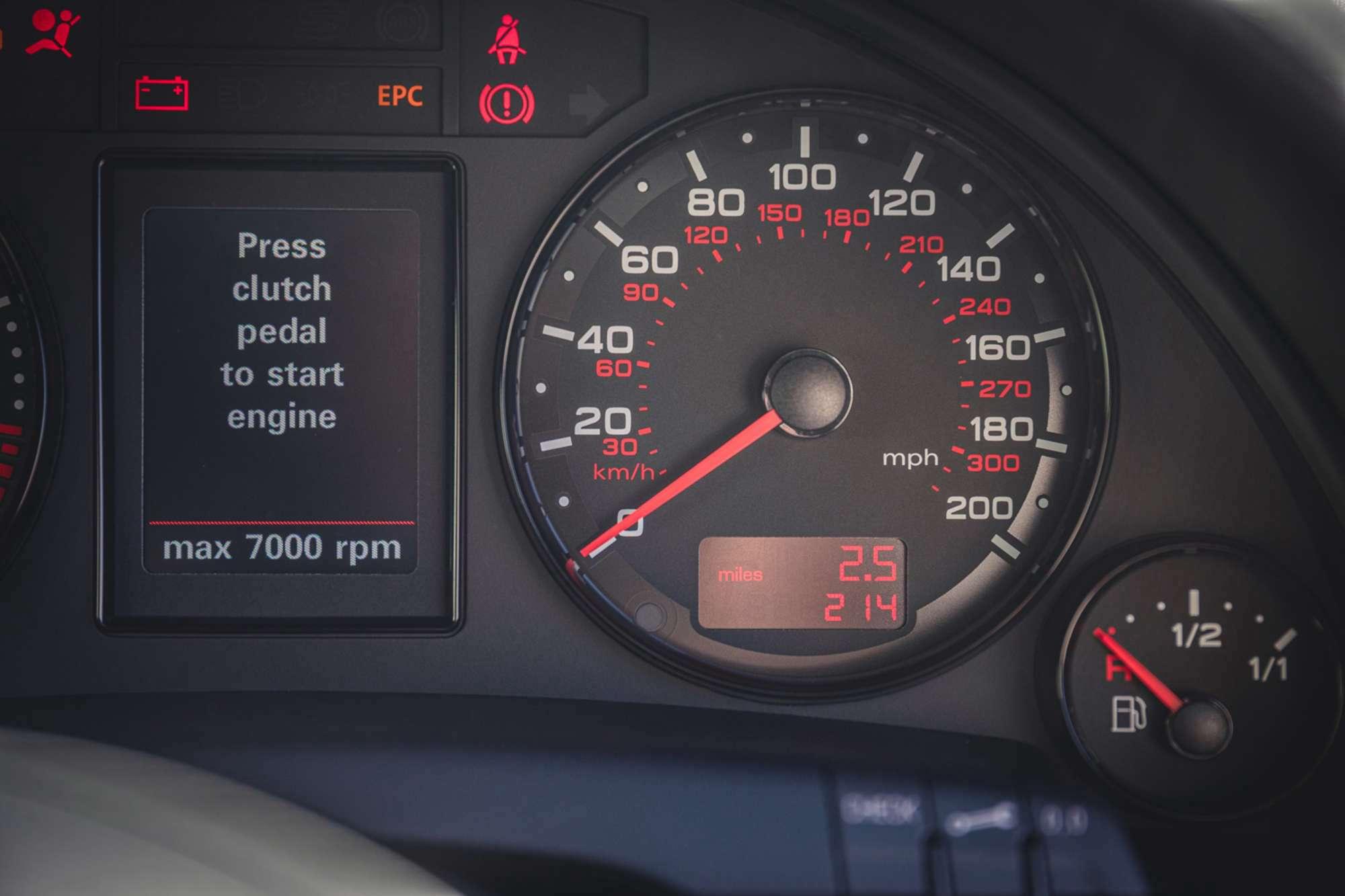 2007_Audi_RS4_B7_sale-0008