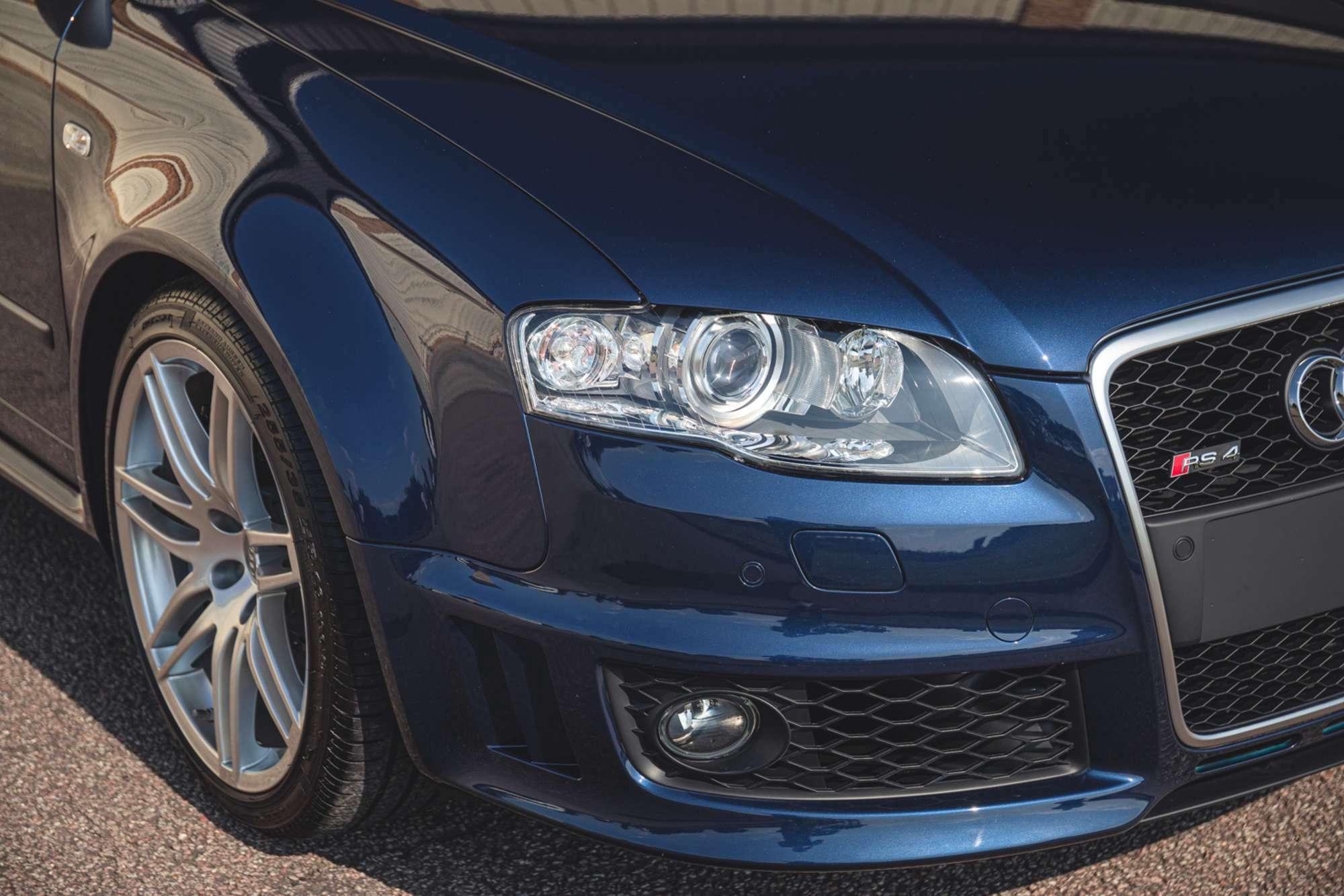 2007_Audi_RS4_B7_sale-0009