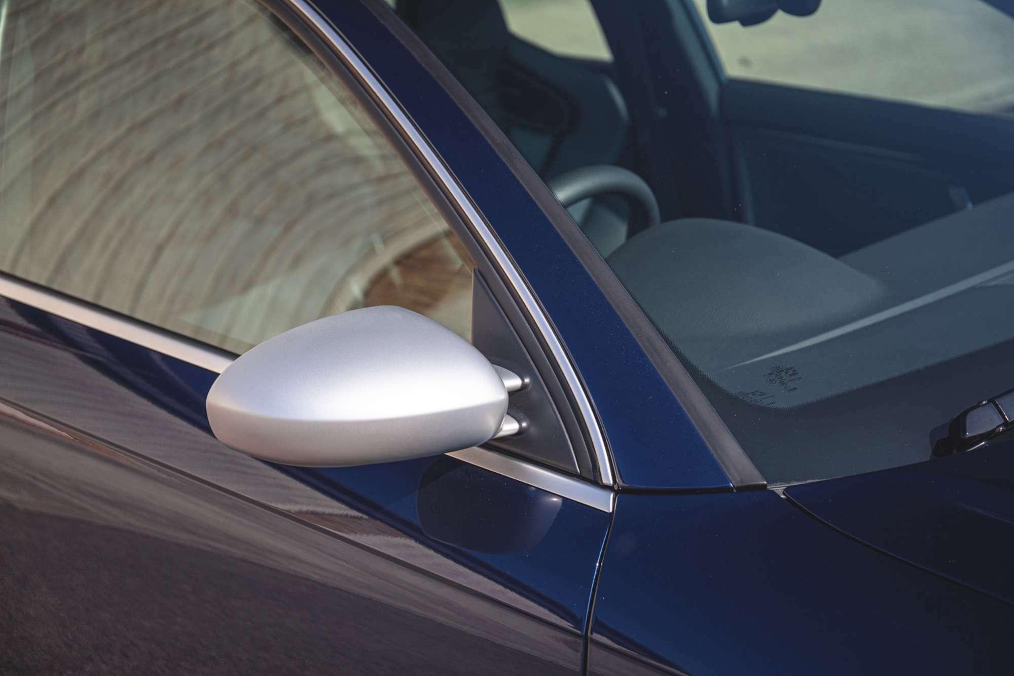 2007_Audi_RS4_B7_sale-0011