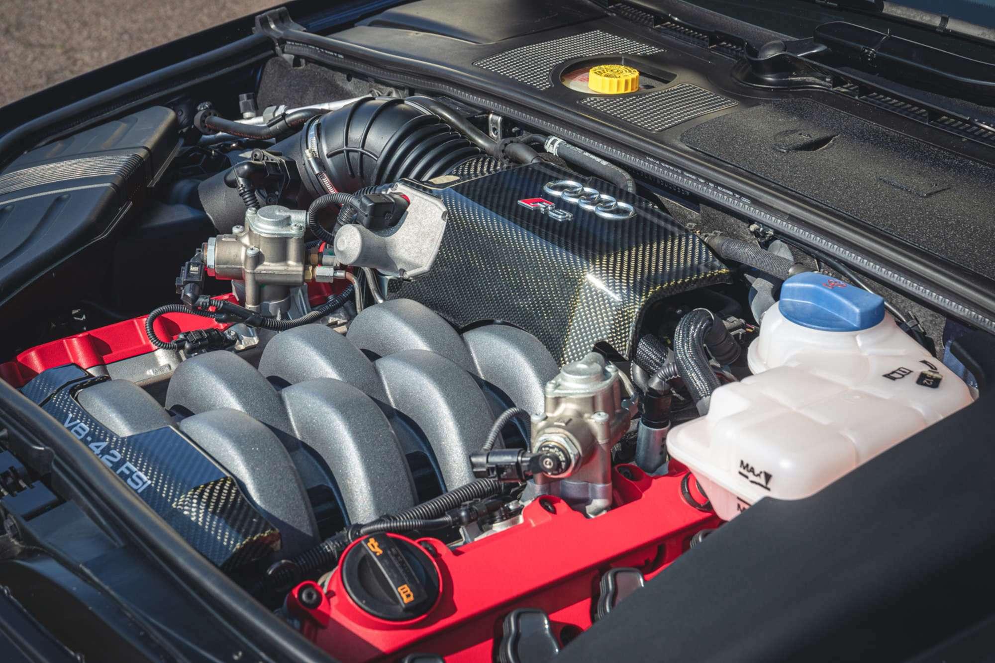2007_Audi_RS4_B7_sale-0014