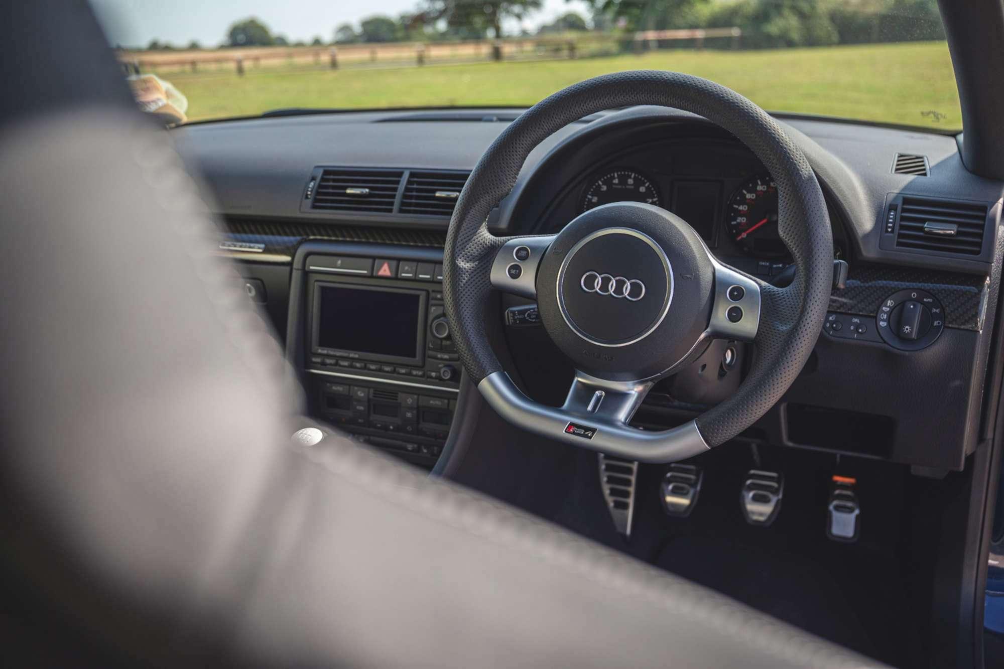 2007_Audi_RS4_B7_sale-0020
