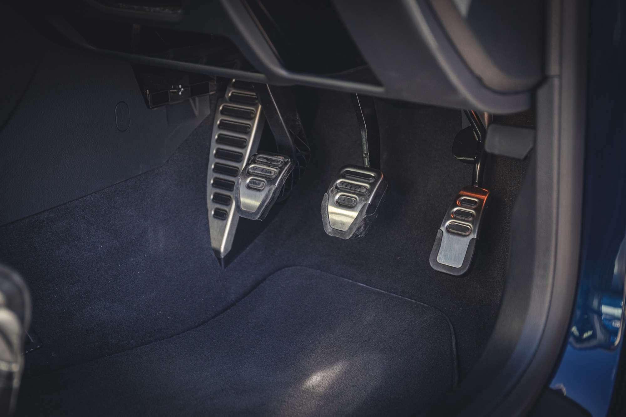 2007_Audi_RS4_B7_sale-0021
