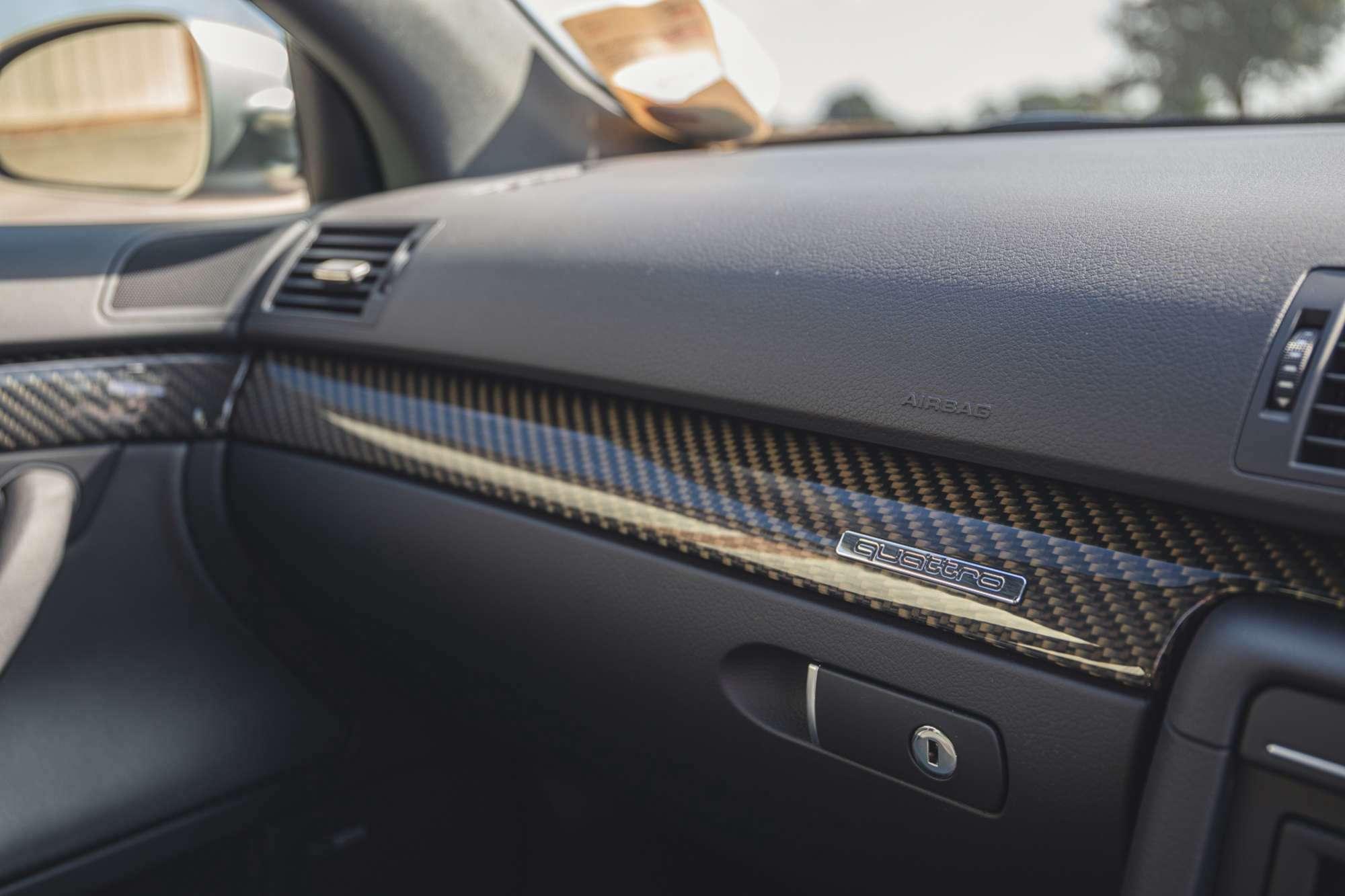 2007_Audi_RS4_B7_sale-0023