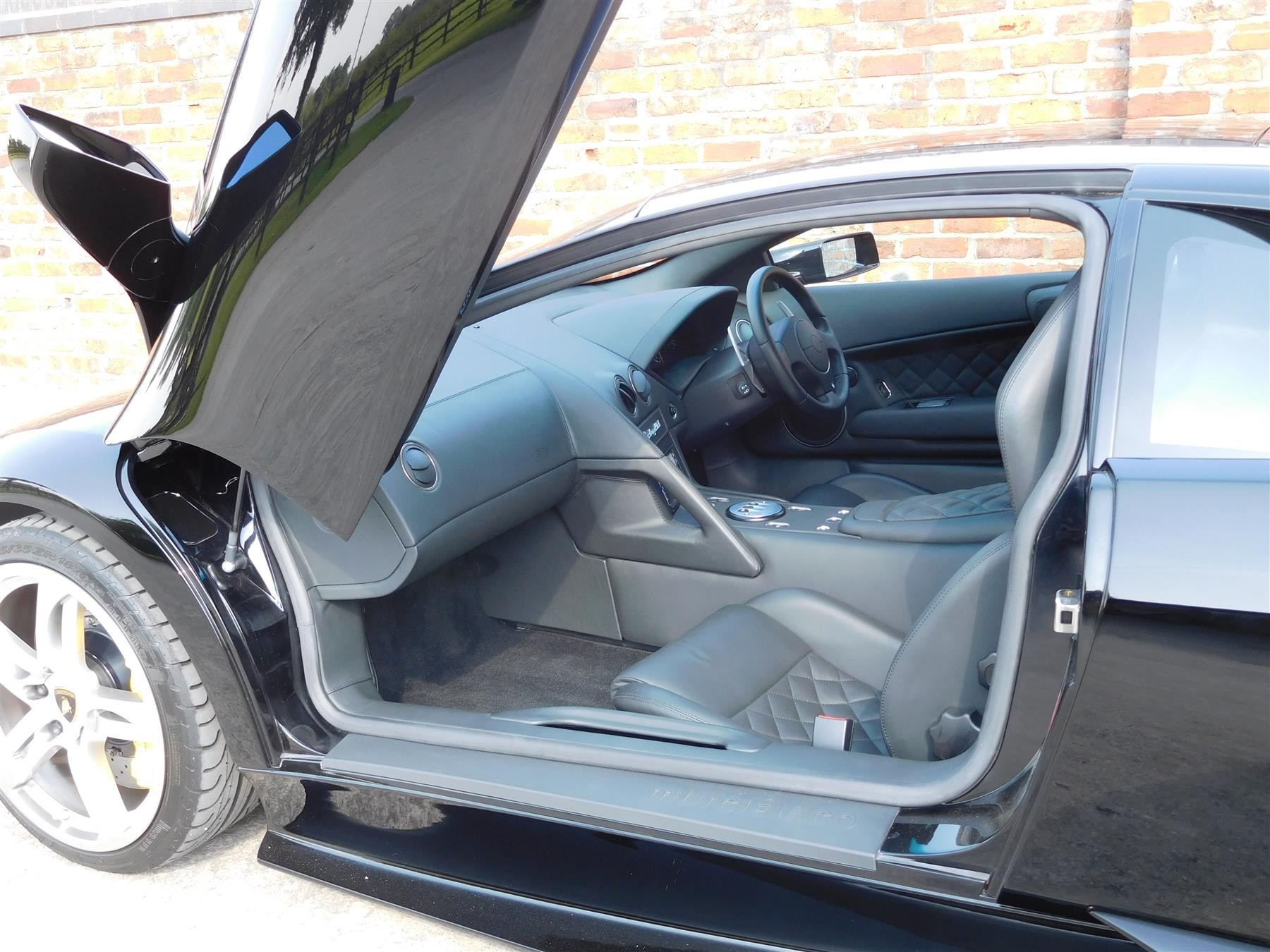 2007_Lamborghini_Murcielago_sale-0012