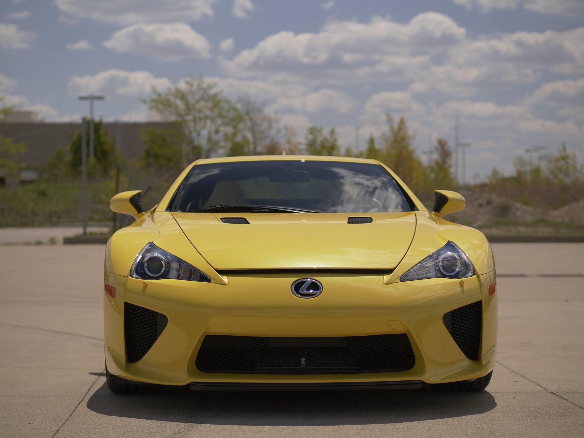 2012_Lexus_LFA_sale-0000