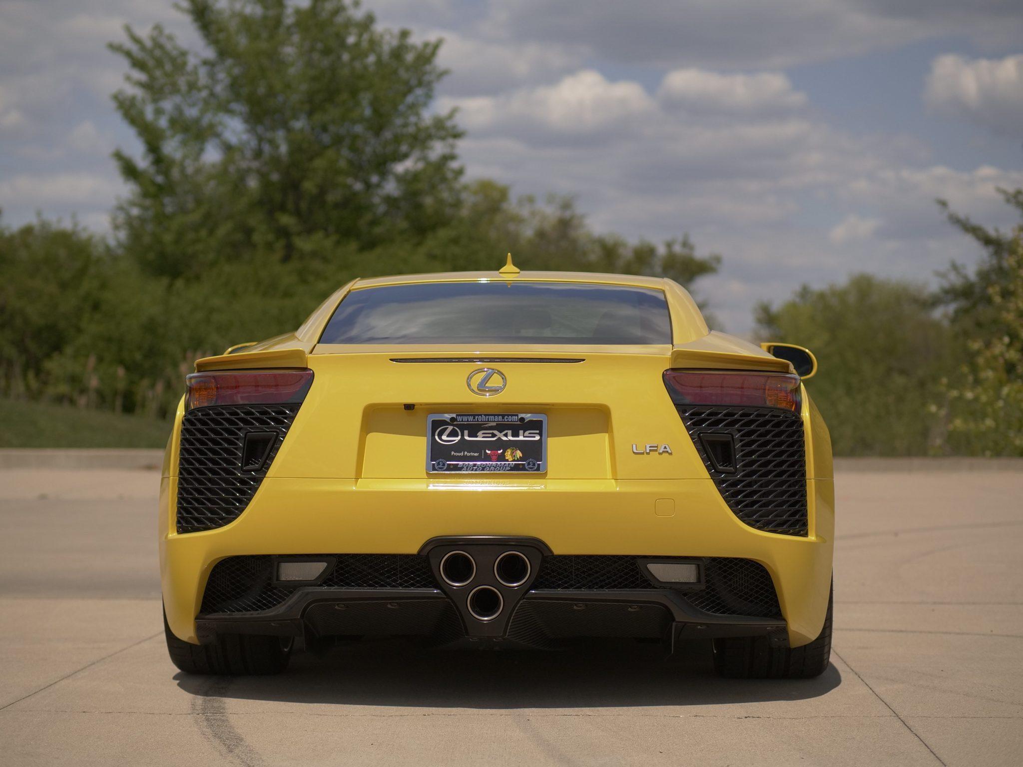 2012_Lexus_LFA_sale-0003