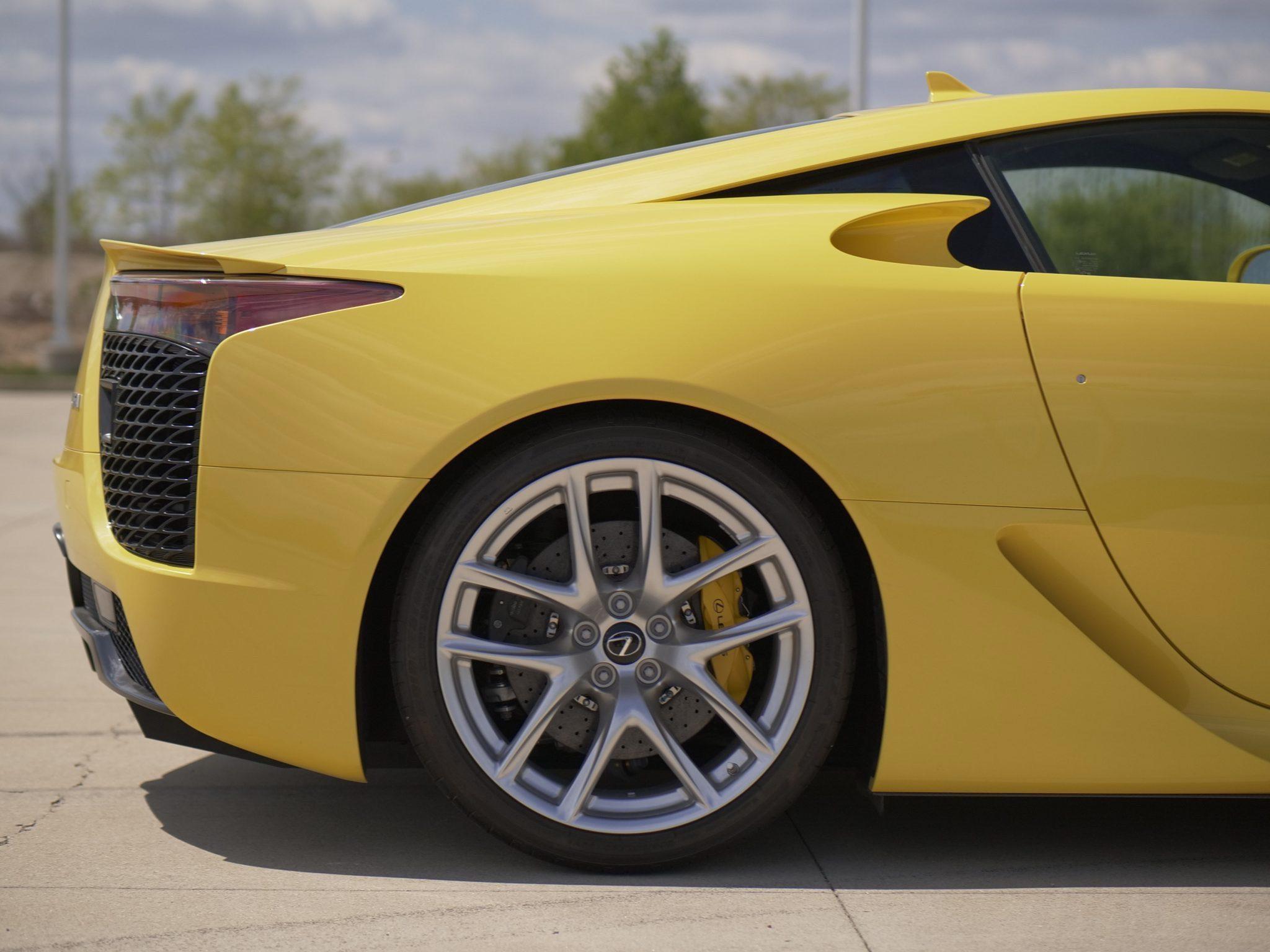 2012_Lexus_LFA_sale-0006
