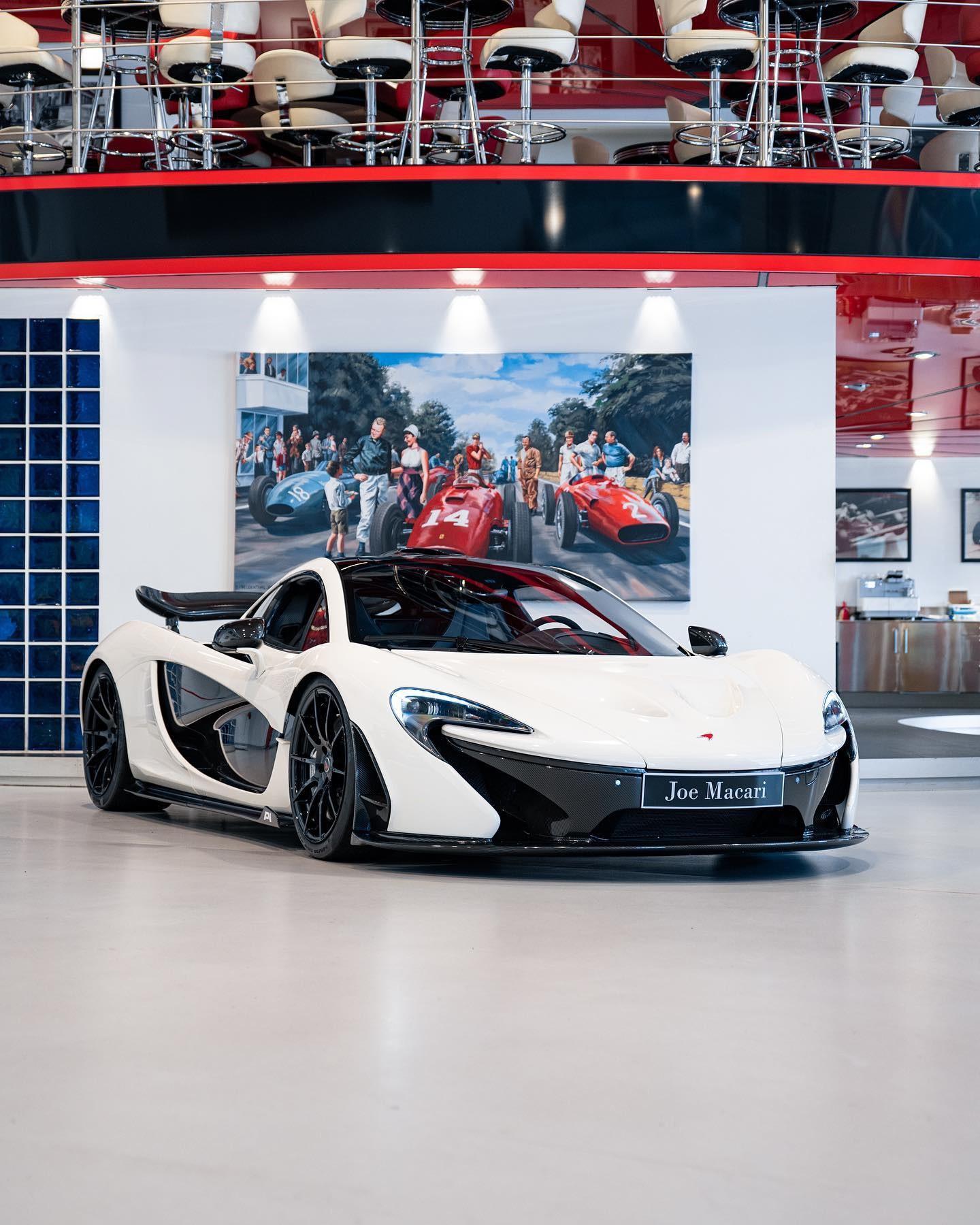 2013_McLaren_P1_sale-0000