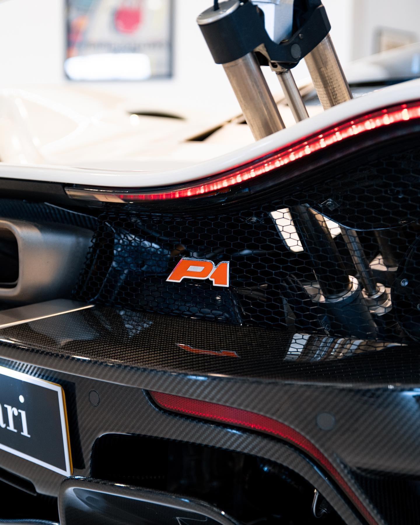 2013_McLaren_P1_sale-0003
