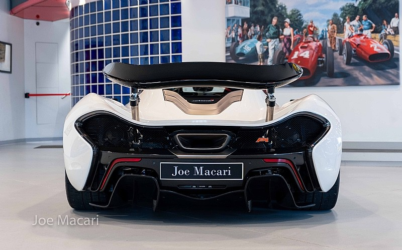2013_McLaren_P1_sale-0011