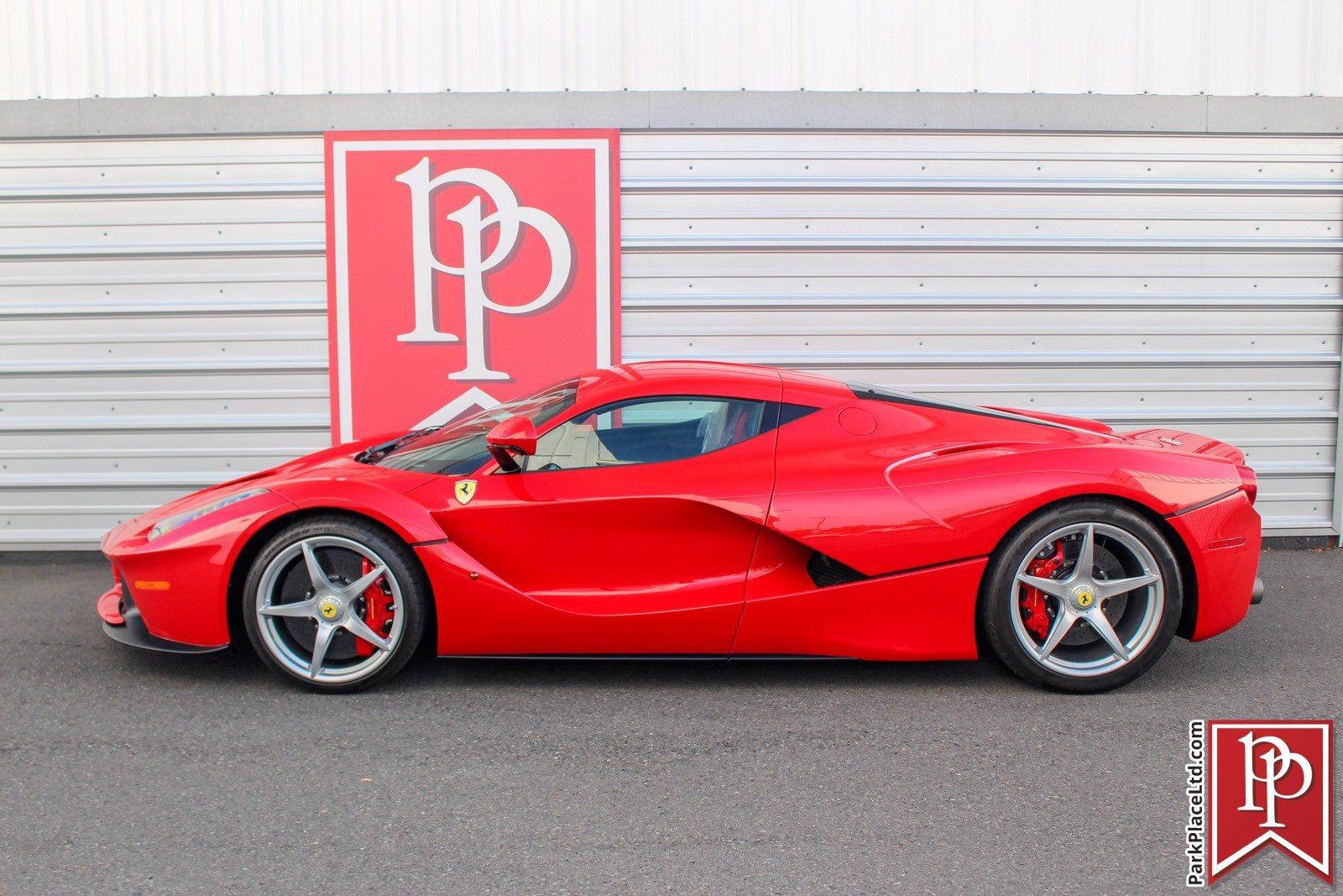2014_Ferrari_LaFerrari_sale-0001