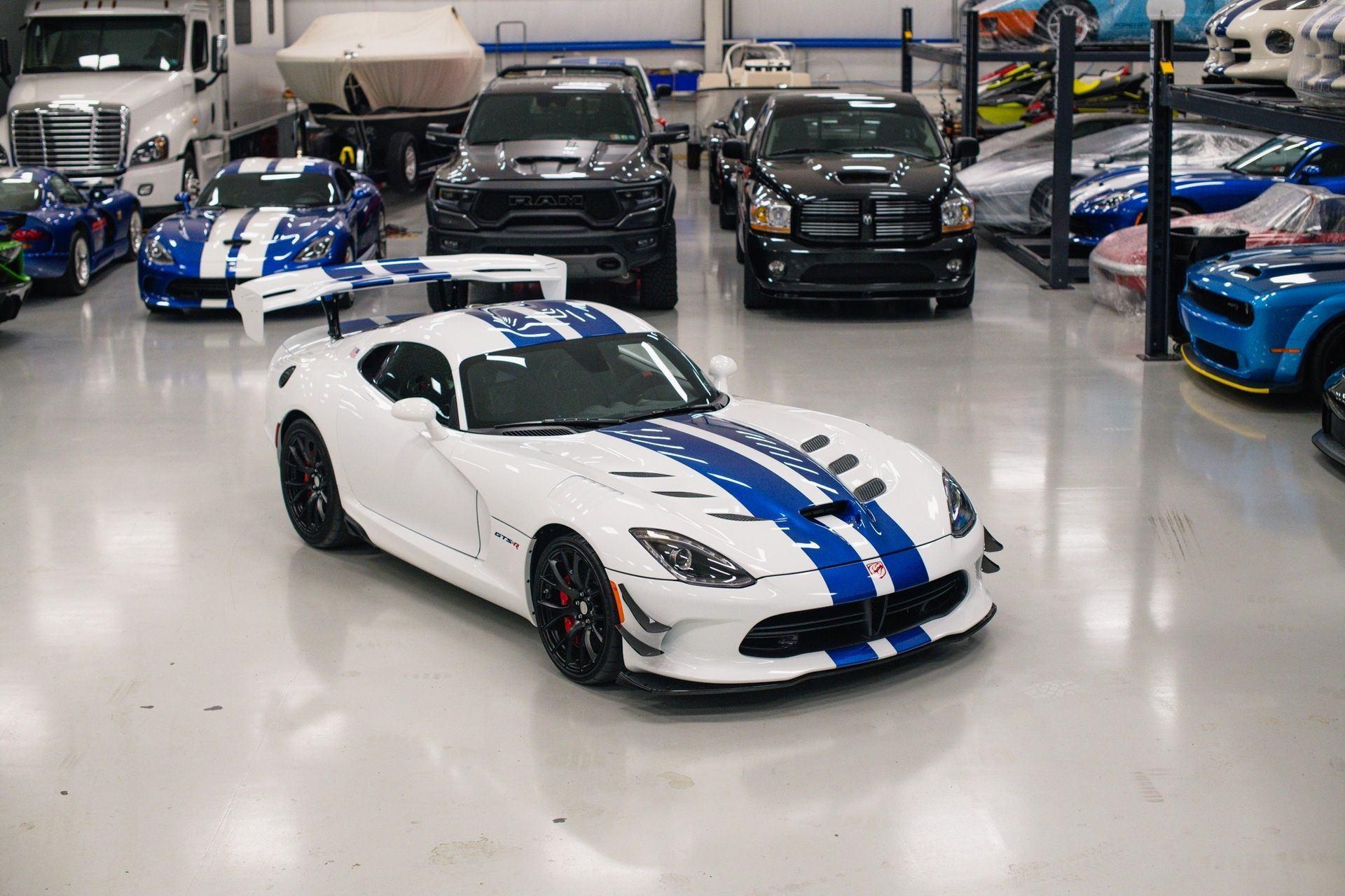 Dodge_Viper_GTS-R_Final_Edition_ACR_sale-0001