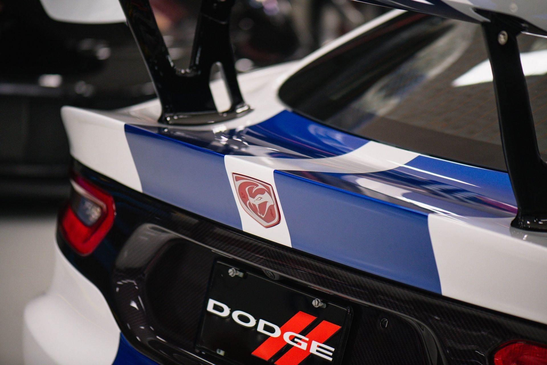 Dodge_Viper_GTS-R_Final_Edition_ACR_sale-0010