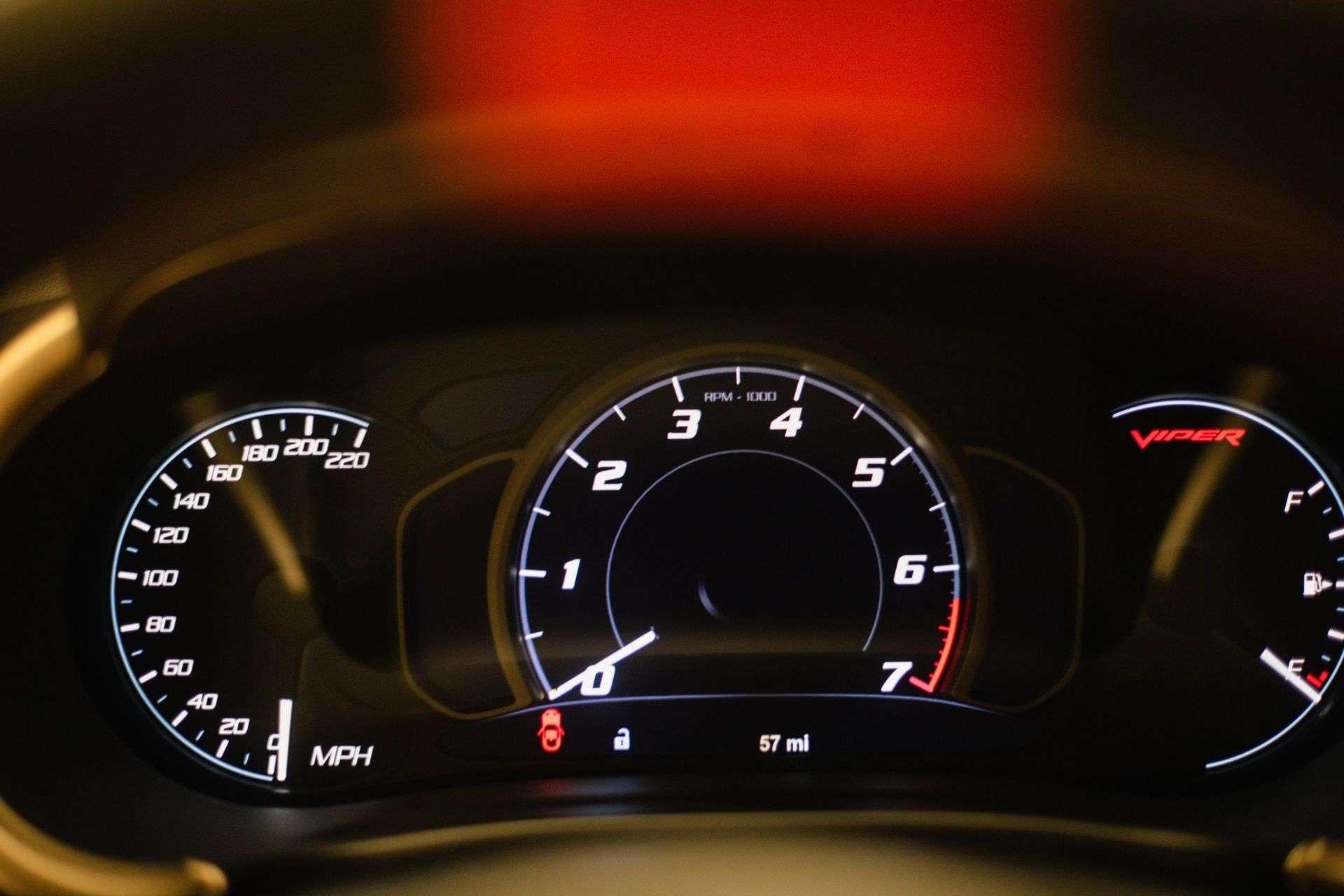 Dodge_Viper_GTS-R_Final_Edition_ACR_sale-0018