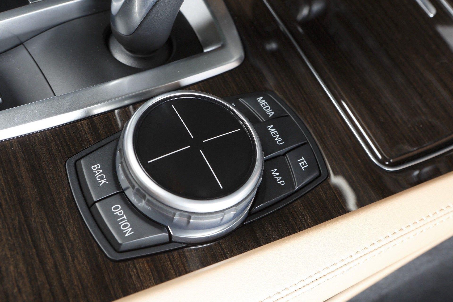 2021_BMW_iDrive_0020