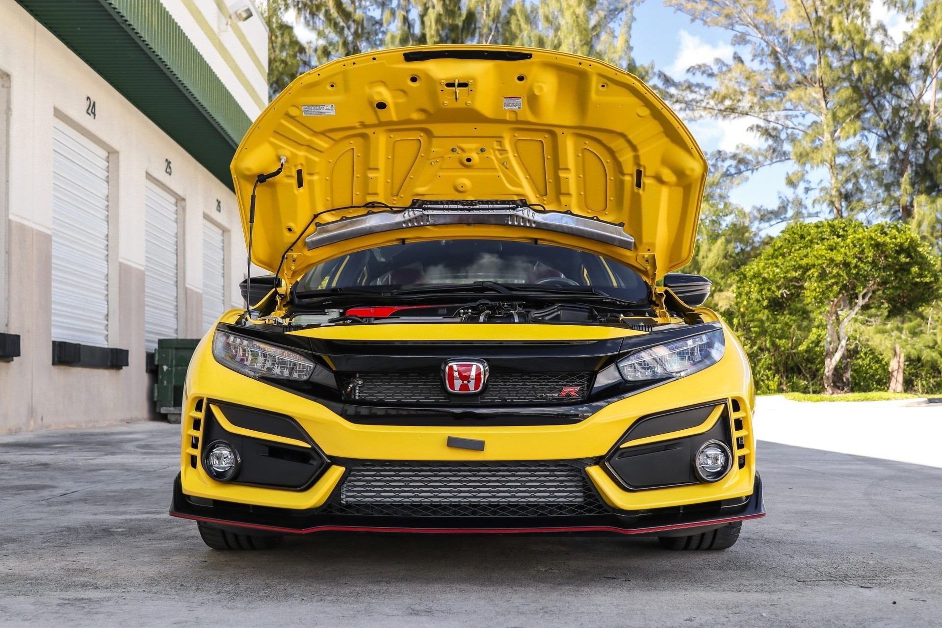 2021_Honda_Civic_Type_R_Limited_Edition-0008