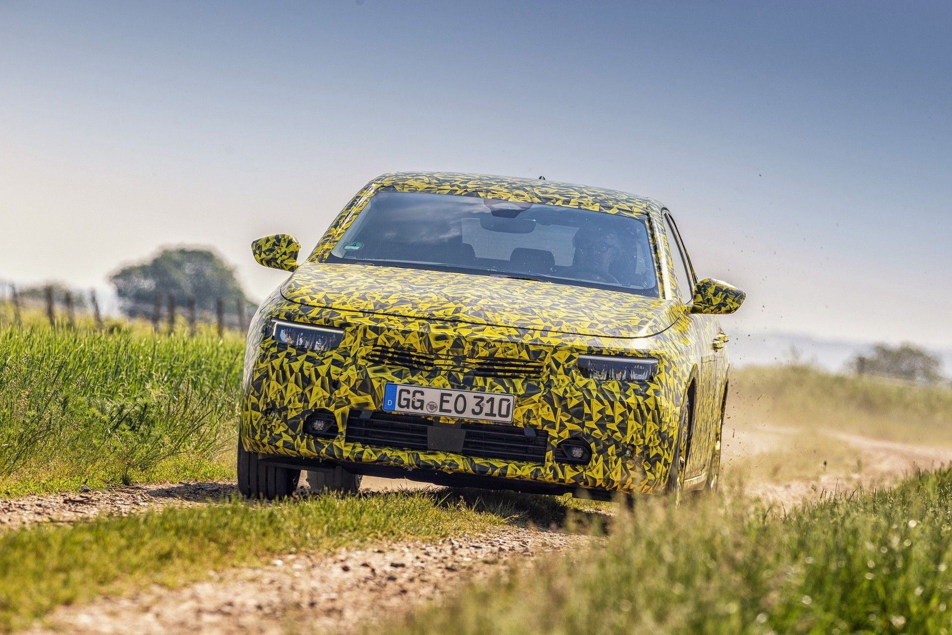 2021_Opel_Astra_official_spy-0004