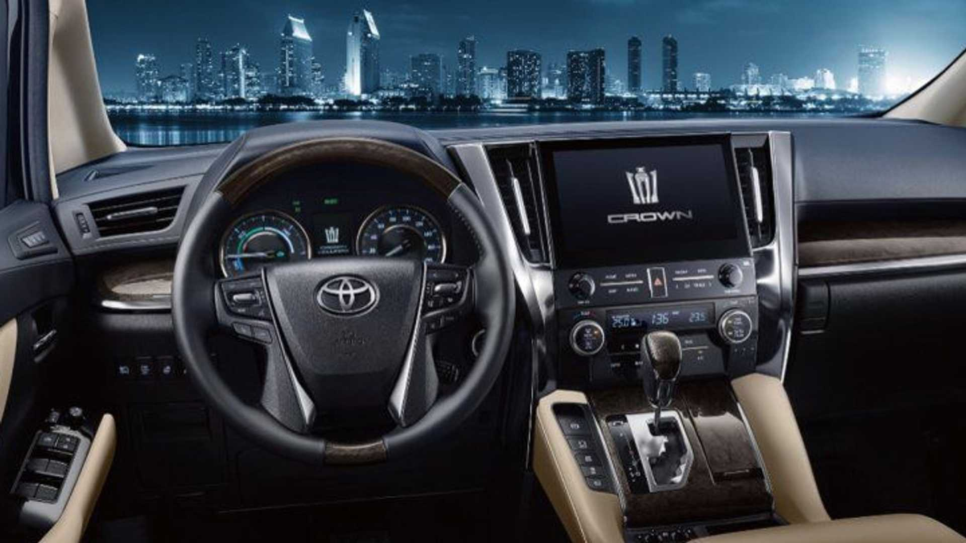 2021_Toyota_Crown_Vellfire-0002