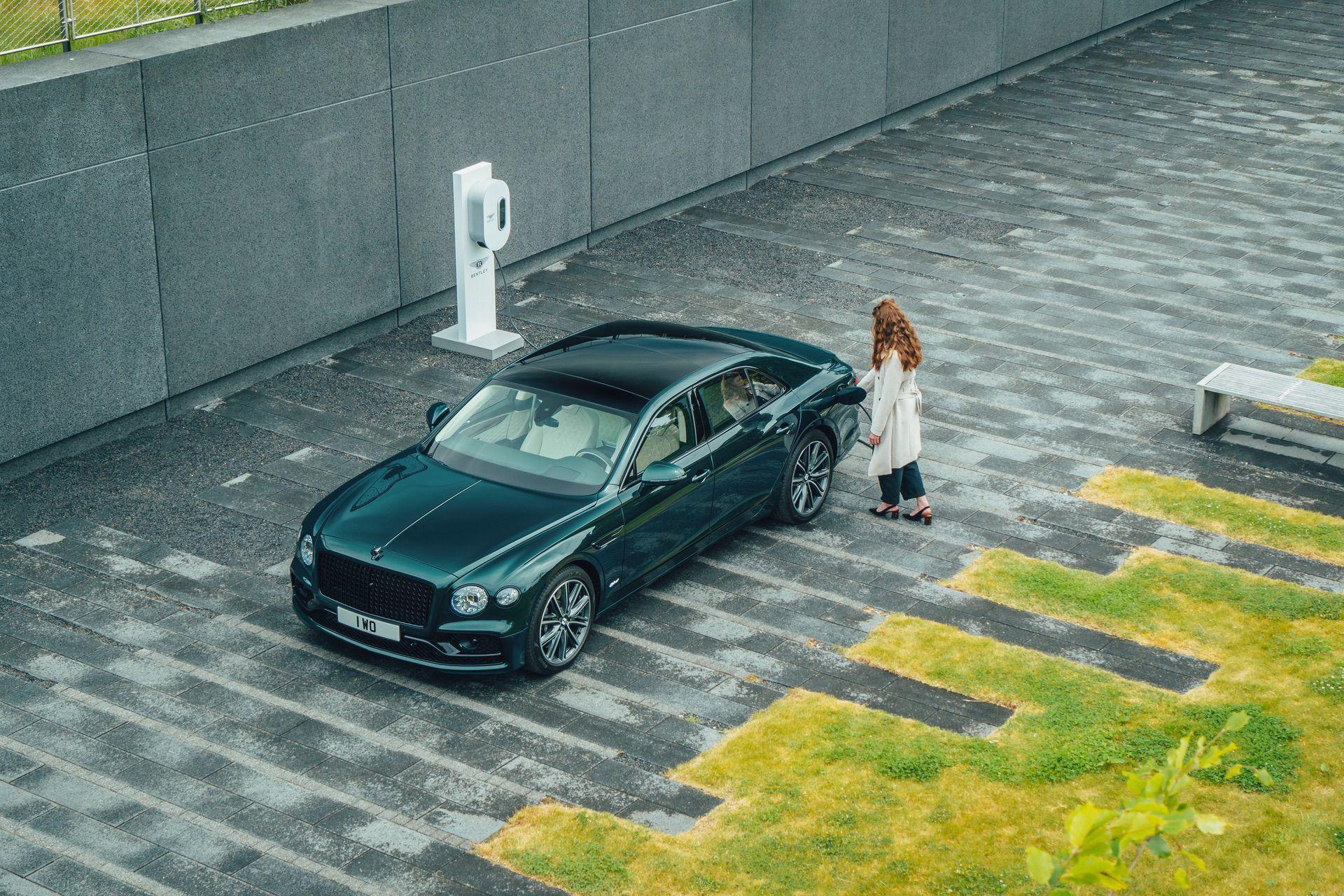 2022_Bentley_Flying_Spur_Hybrid-0004