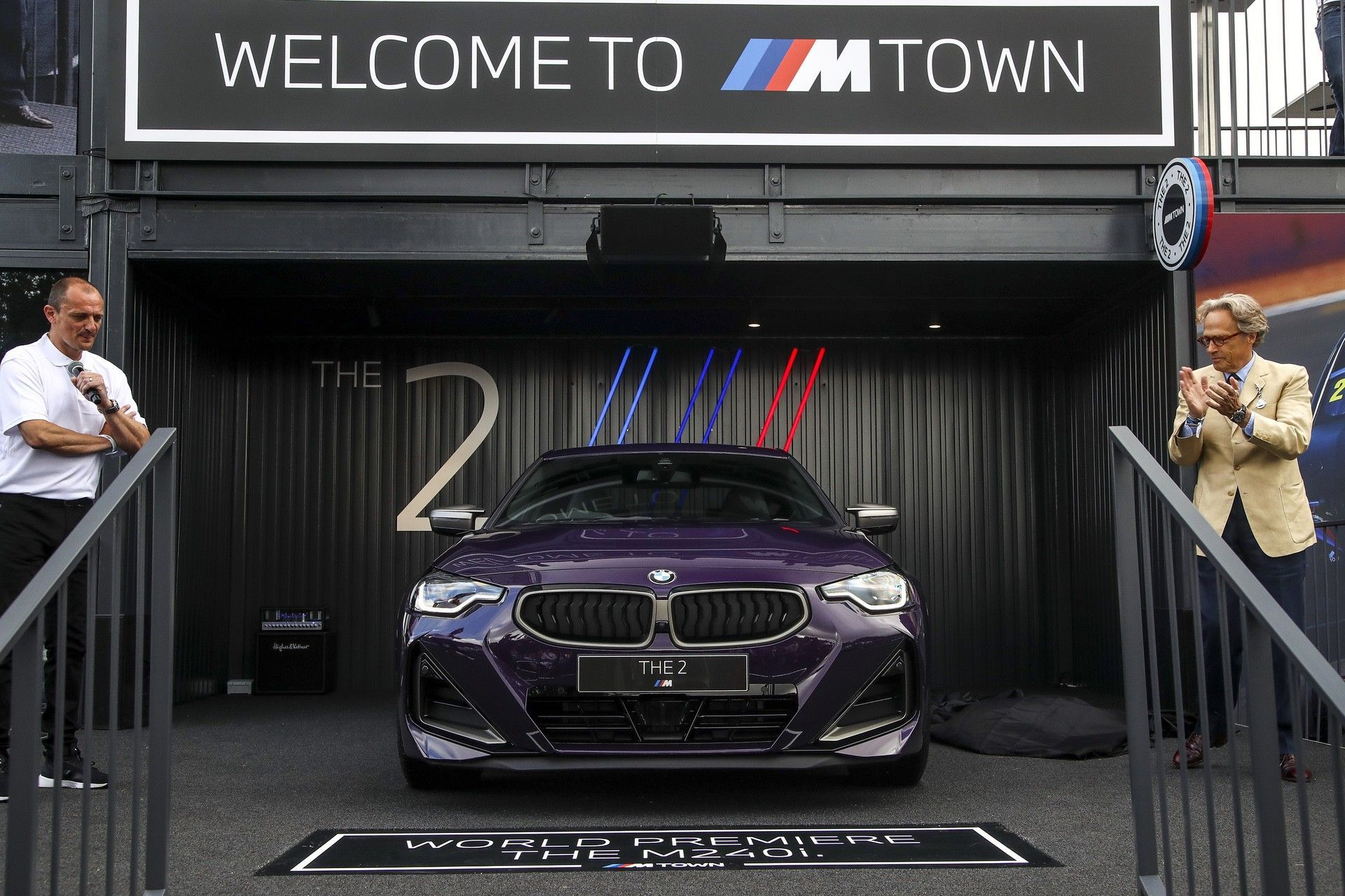 P90429801_highRes_the-all-new-bmw-2-se