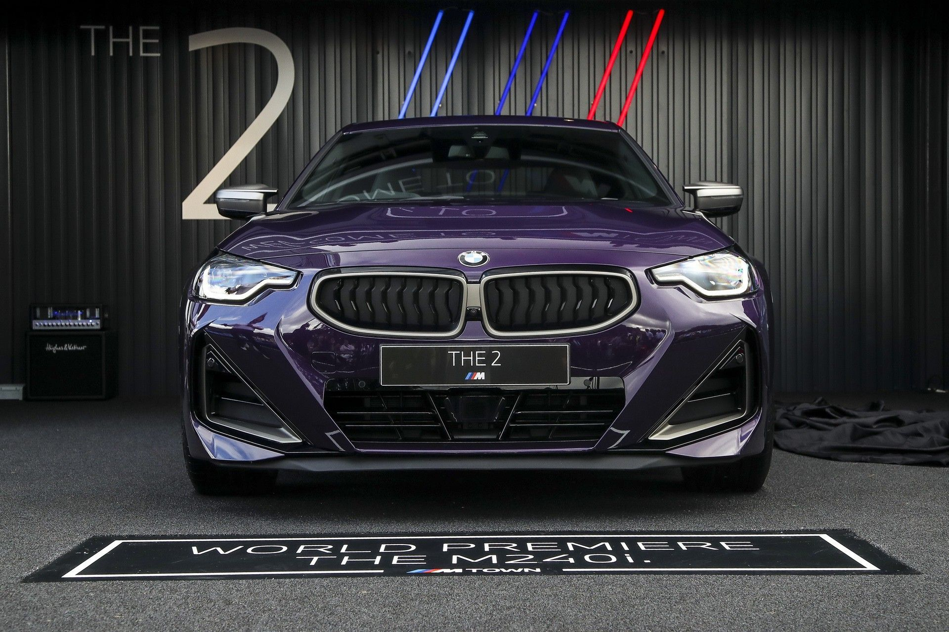 P90429822_highRes_the-all-new-bmw-2-se