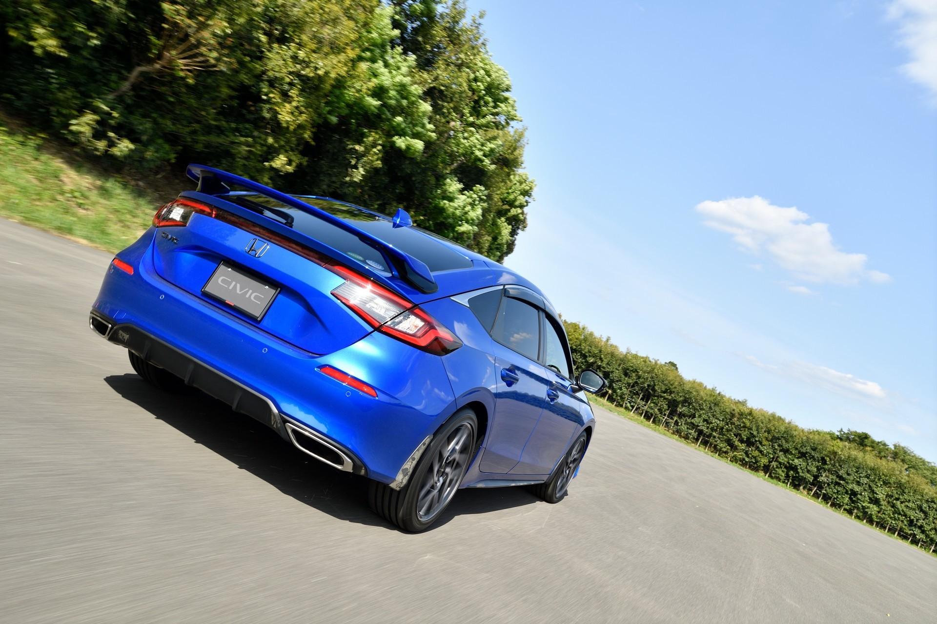2022-Honda-Civic-Hatch-Accessories-2