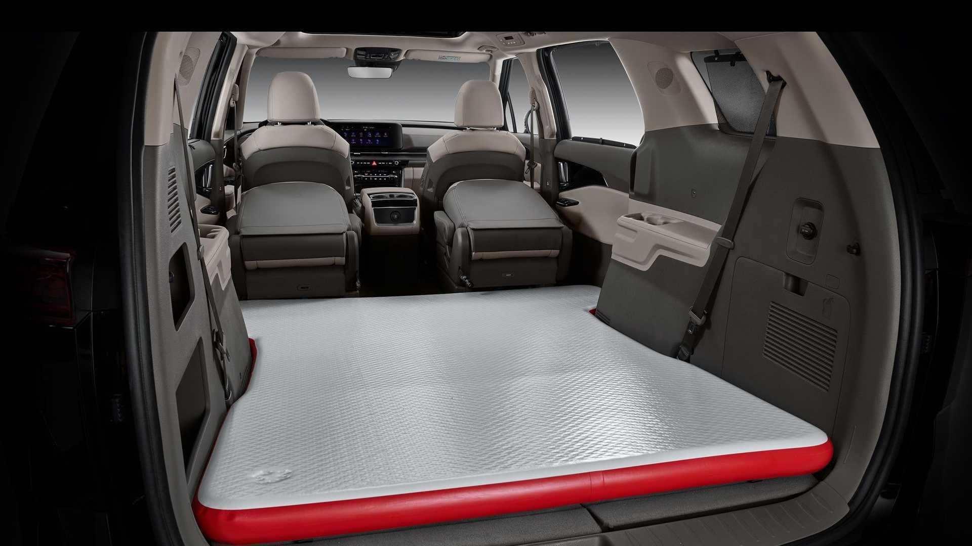 2022_Kia_Carnival_Hi-Limousine_KDM-0011