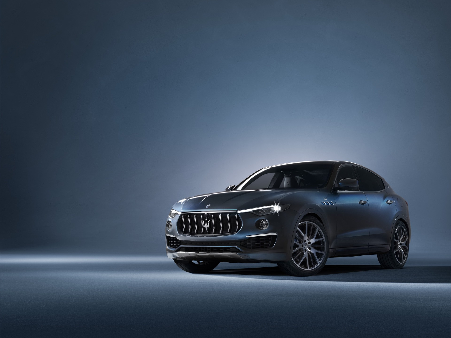 2022_Maserati_Levante_Hybrid-0000