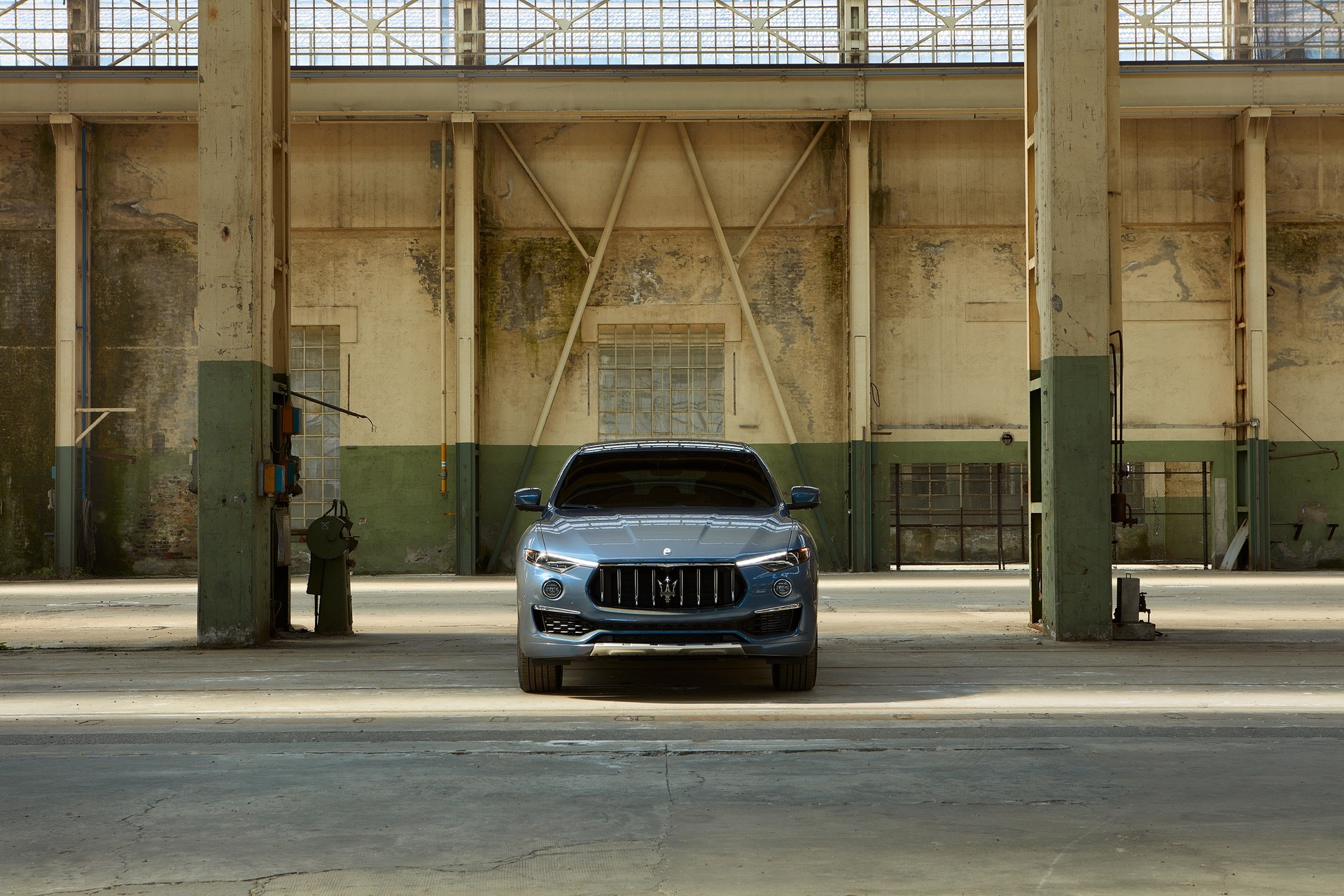 2022_Maserati_Levante_Hybrid-0001