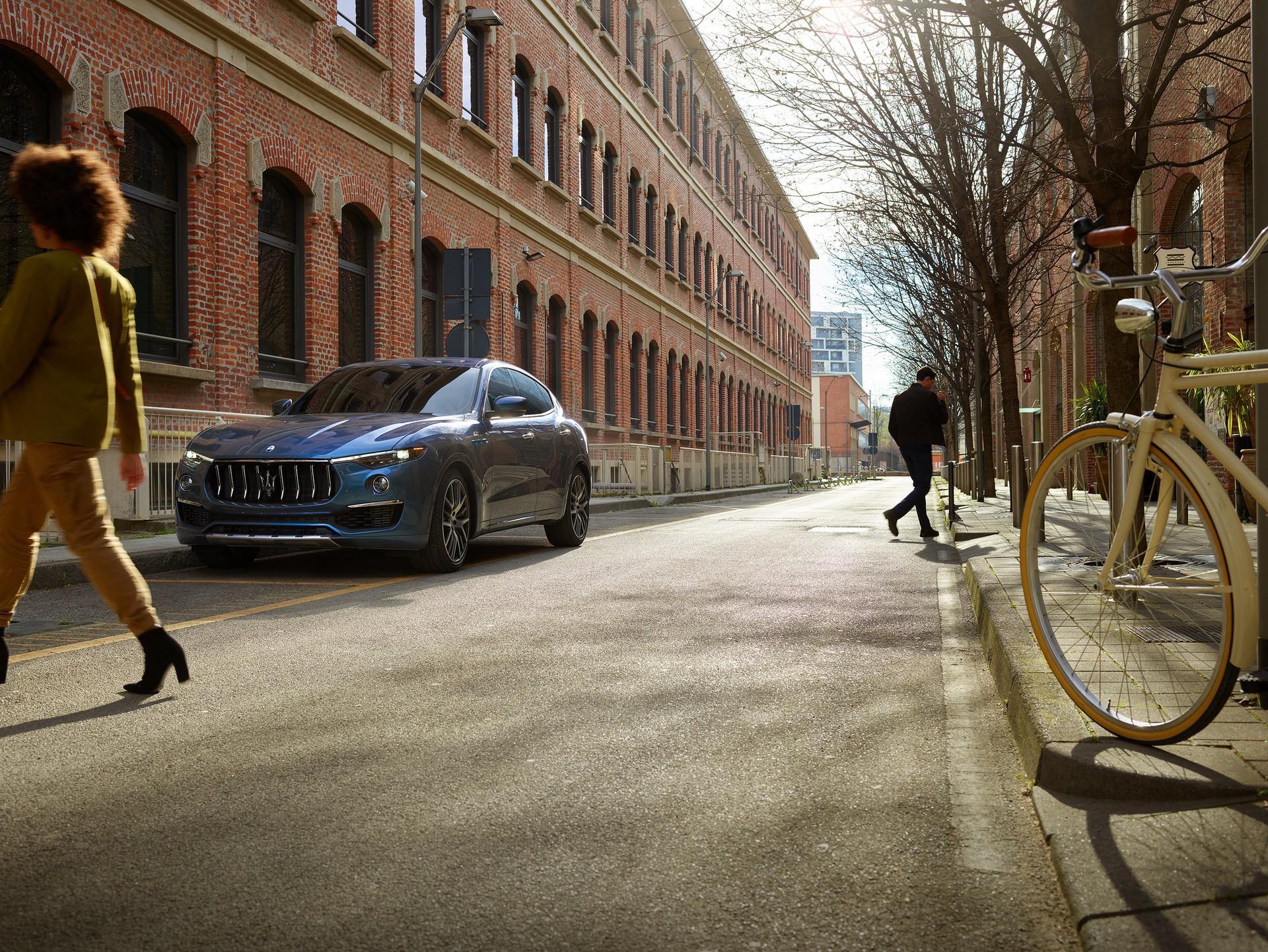 2022_Maserati_Levante_Hybrid-0006