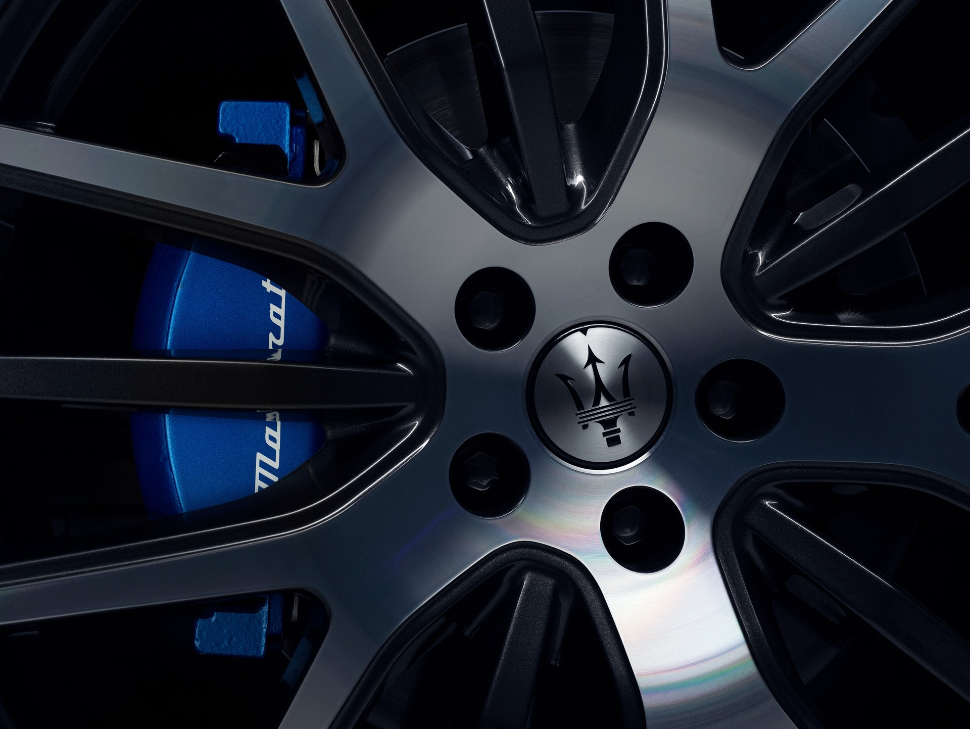 2022_Maserati_Levante_Hybrid-0026